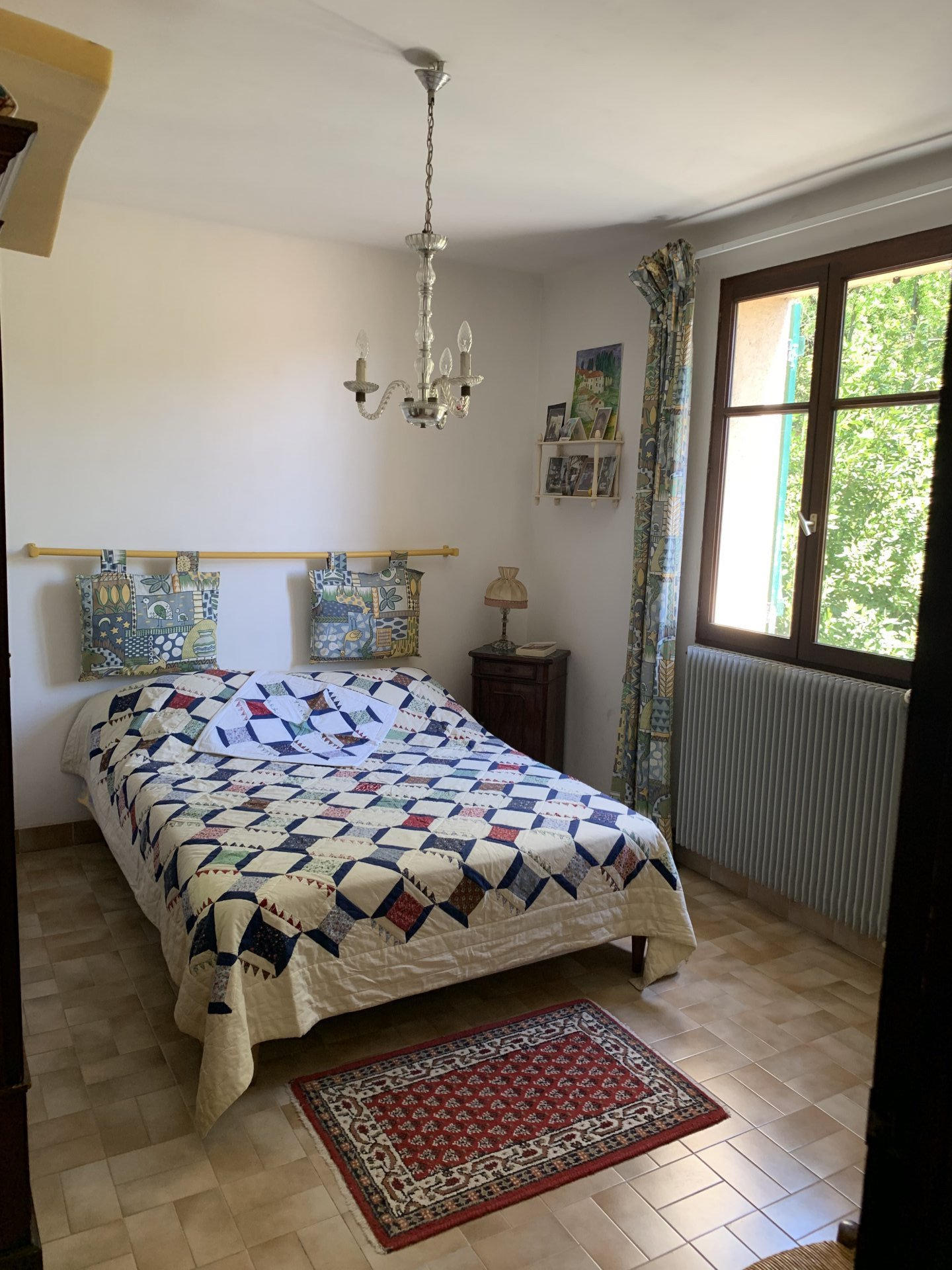 House in the heart of the village of 5 bedrooms with swimming pool and independent studio