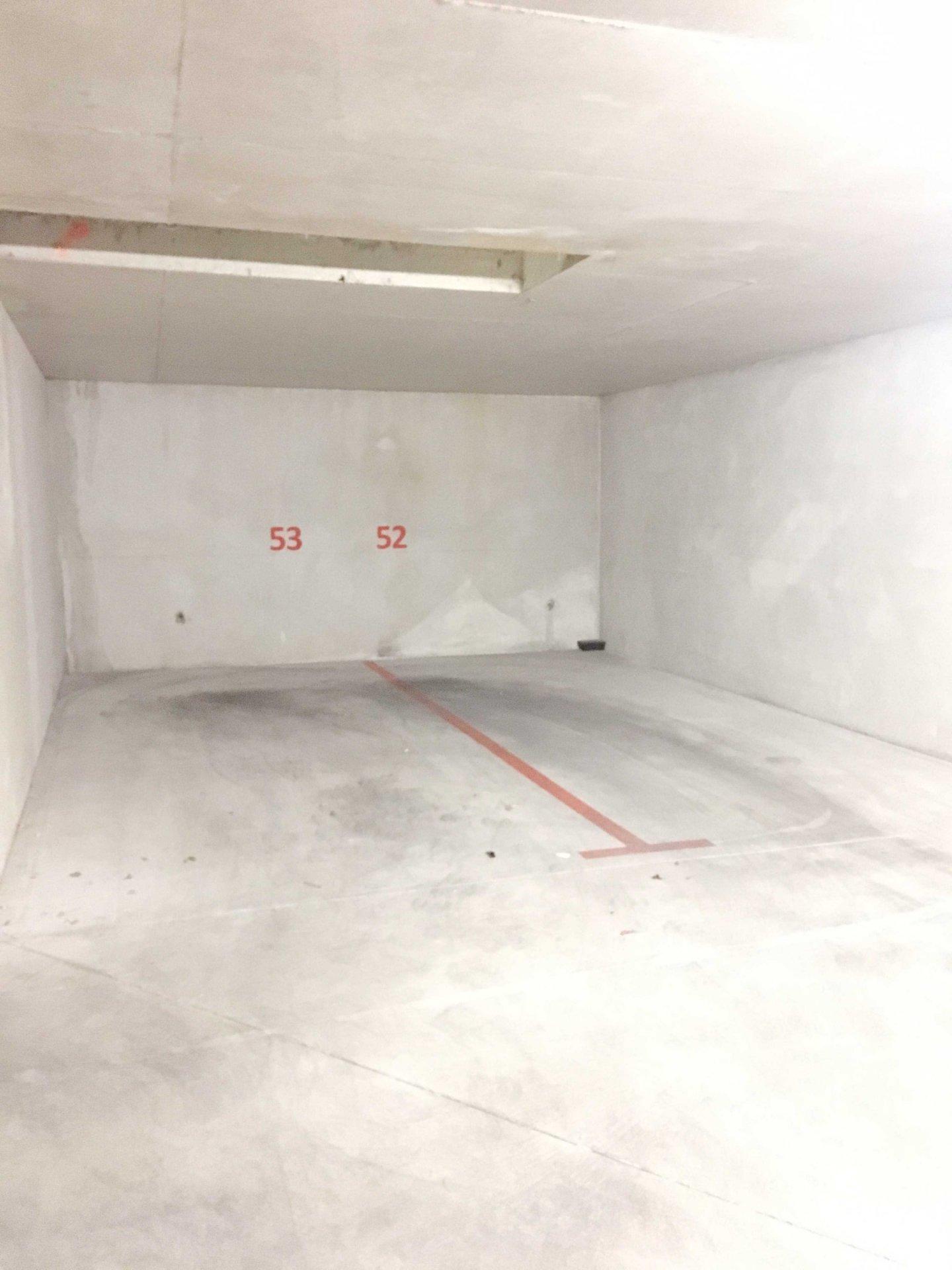 A Louer 4 places de parking simple en sous sol dans résidence sécurisée quartier SAINTE ANNE 13008 Marseille