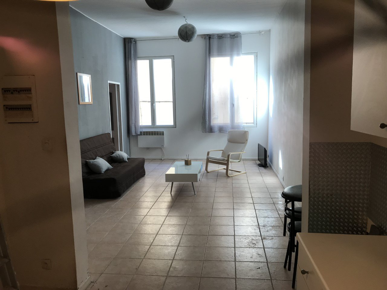 LA CIOTAT APPARTEMENT T3 CENTRE VILLE