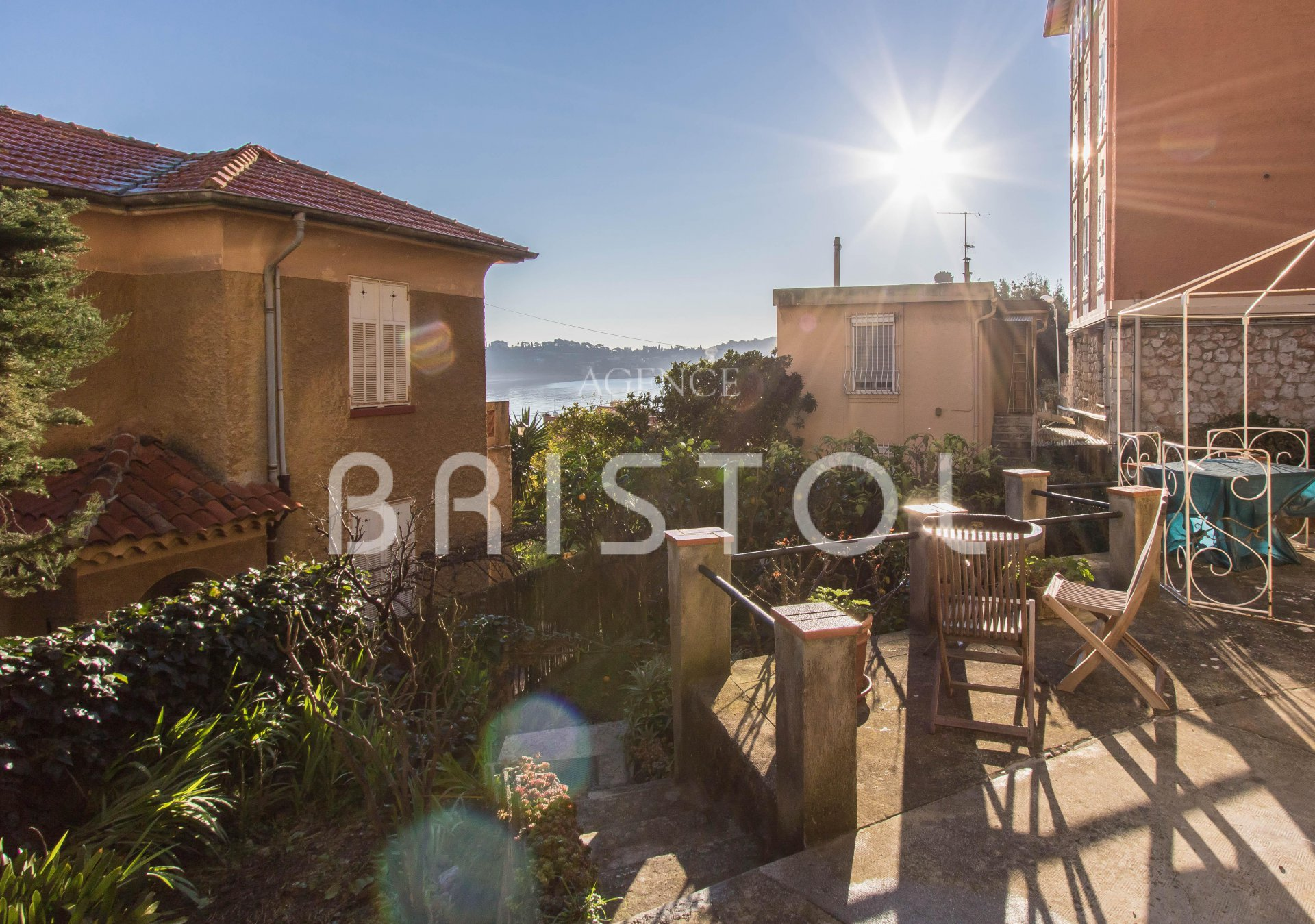 Villefranche sur Mer - charming 1 bedroom apartment with private garden close to the sea and downtown