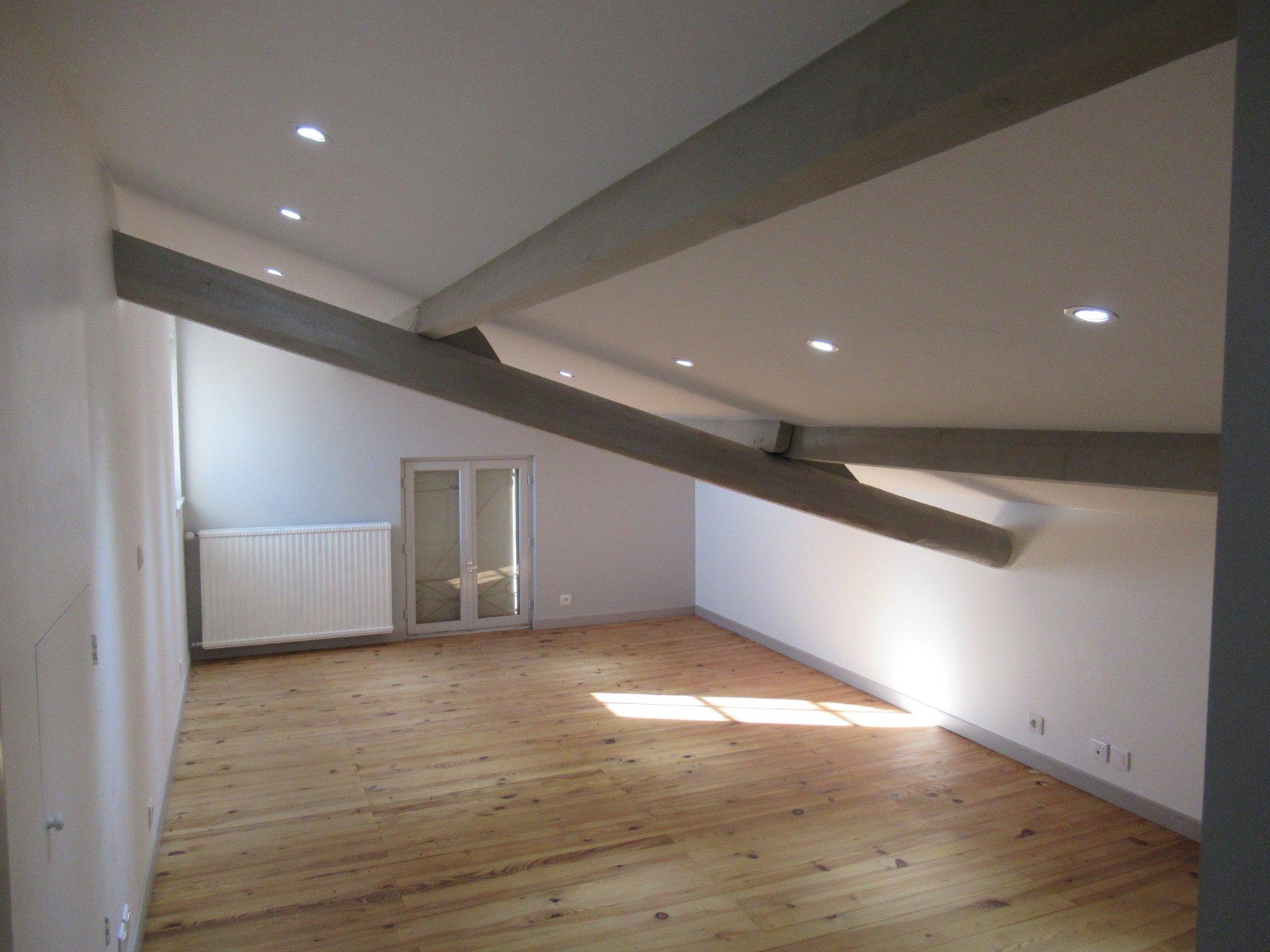 Villa ristrutturata di 6 camere e ampio seminterrato