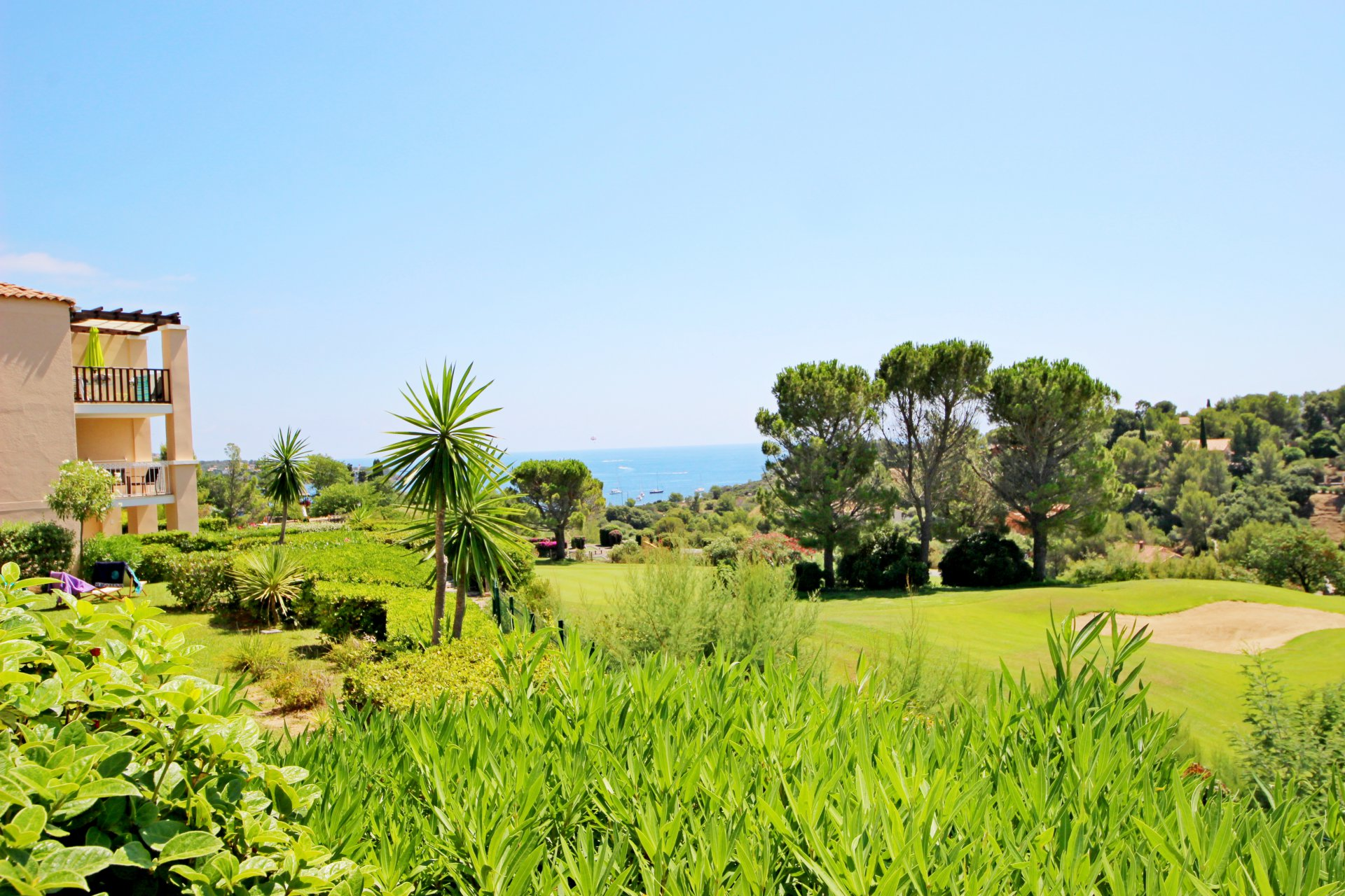 Cap Esterel T3 avec jardin