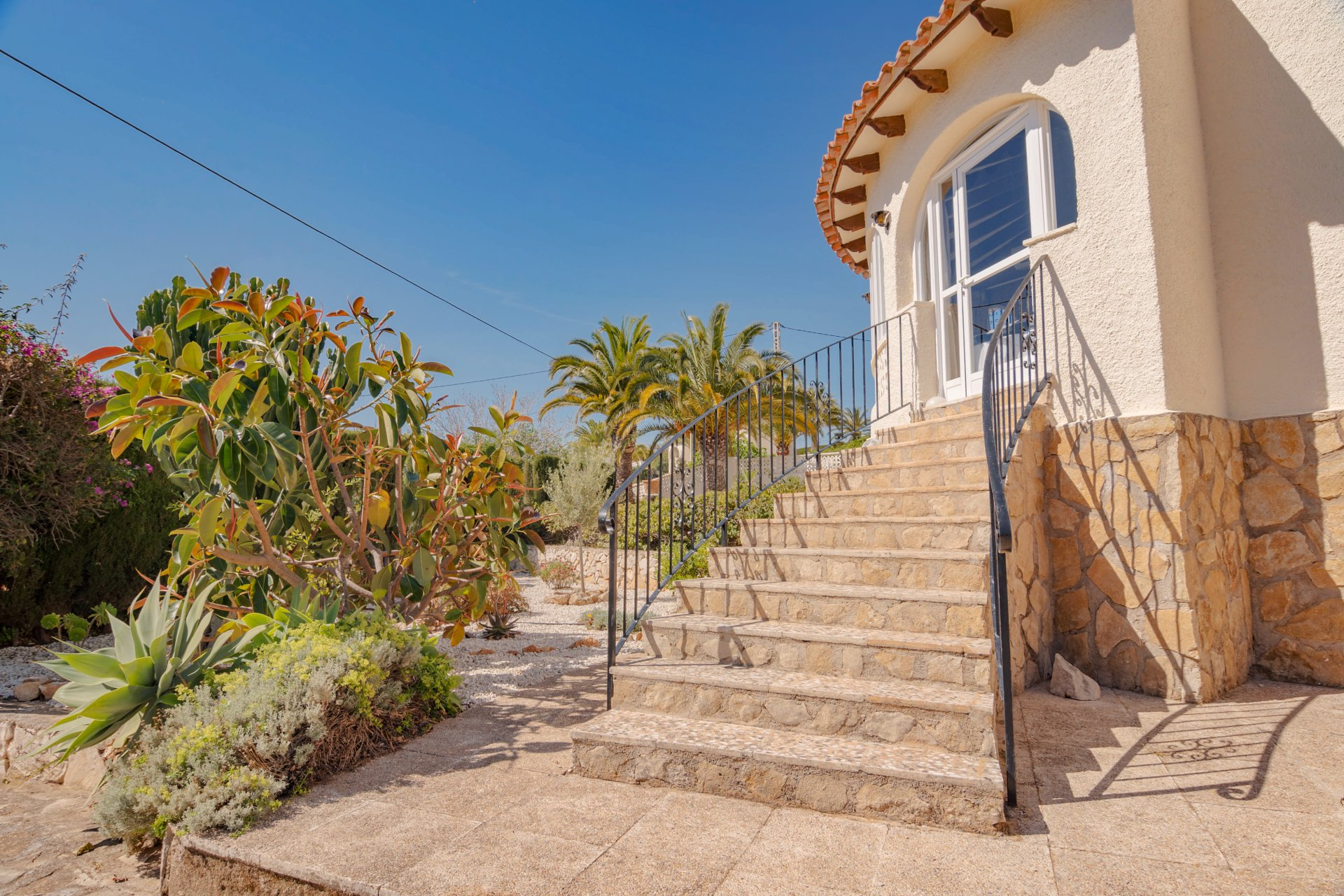 Recently renovated villa with private swimming pool in Calpe