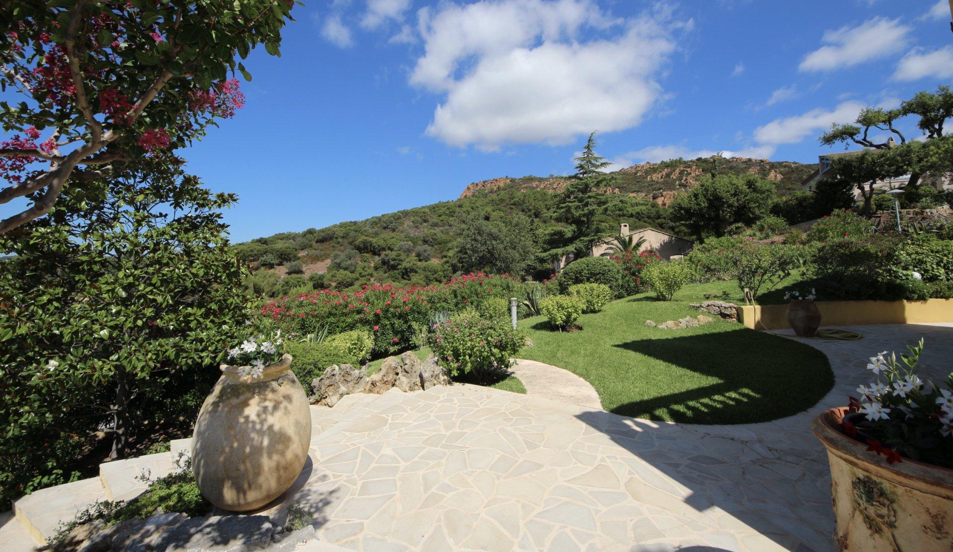 Saint Raphaël, superb property 350 sqm with gorgeous sea view