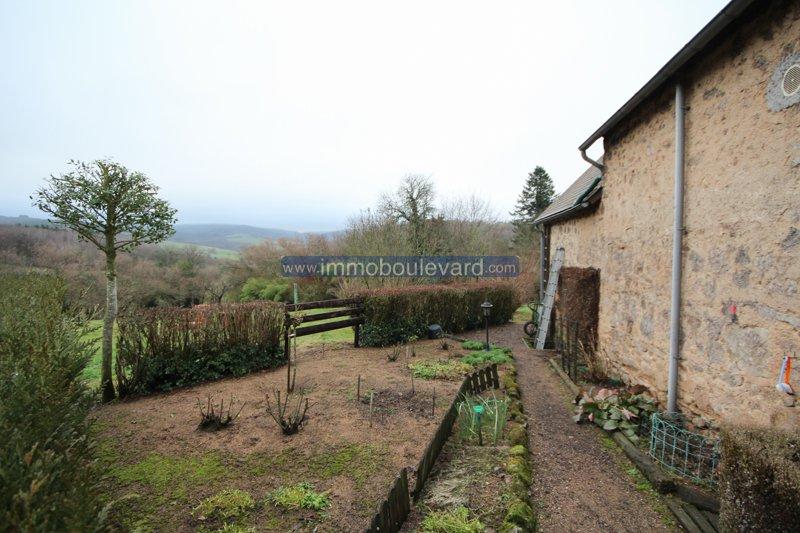 Au coeur du Morvan, Château Chinon Campagne, maison en pierre avec belle vue.