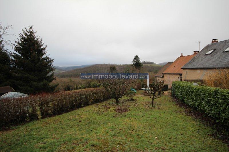 Hartje Morvan, Chateau Chinon Campagne, natuurstenen huis met prachtig uitzicht.