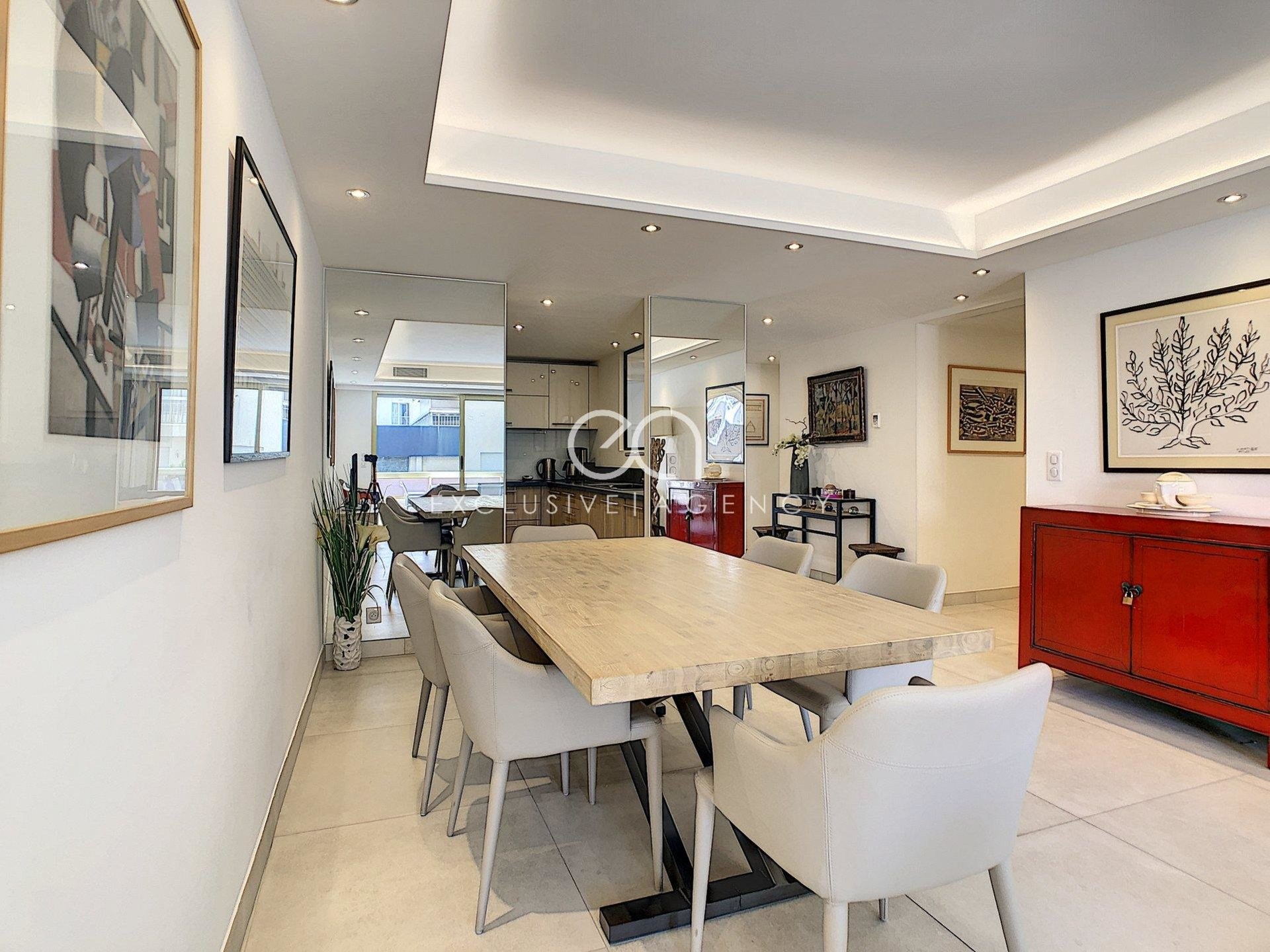 Cannes 100m Croisette - 2 bedrooms 100sqm - brand new - parking and cellar