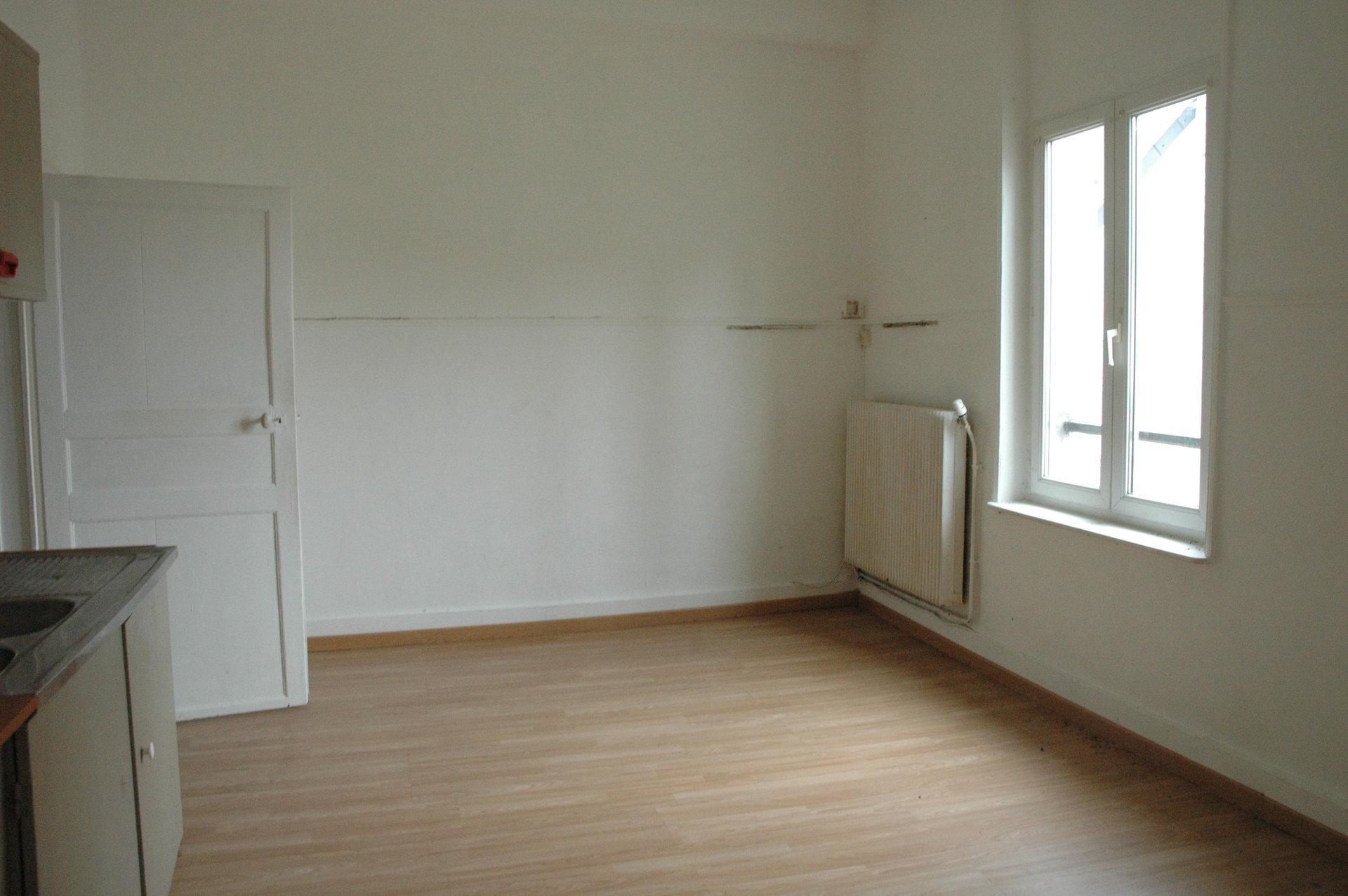 BERLAIMONT : Immeuble 4 logements ou maison à recomposer