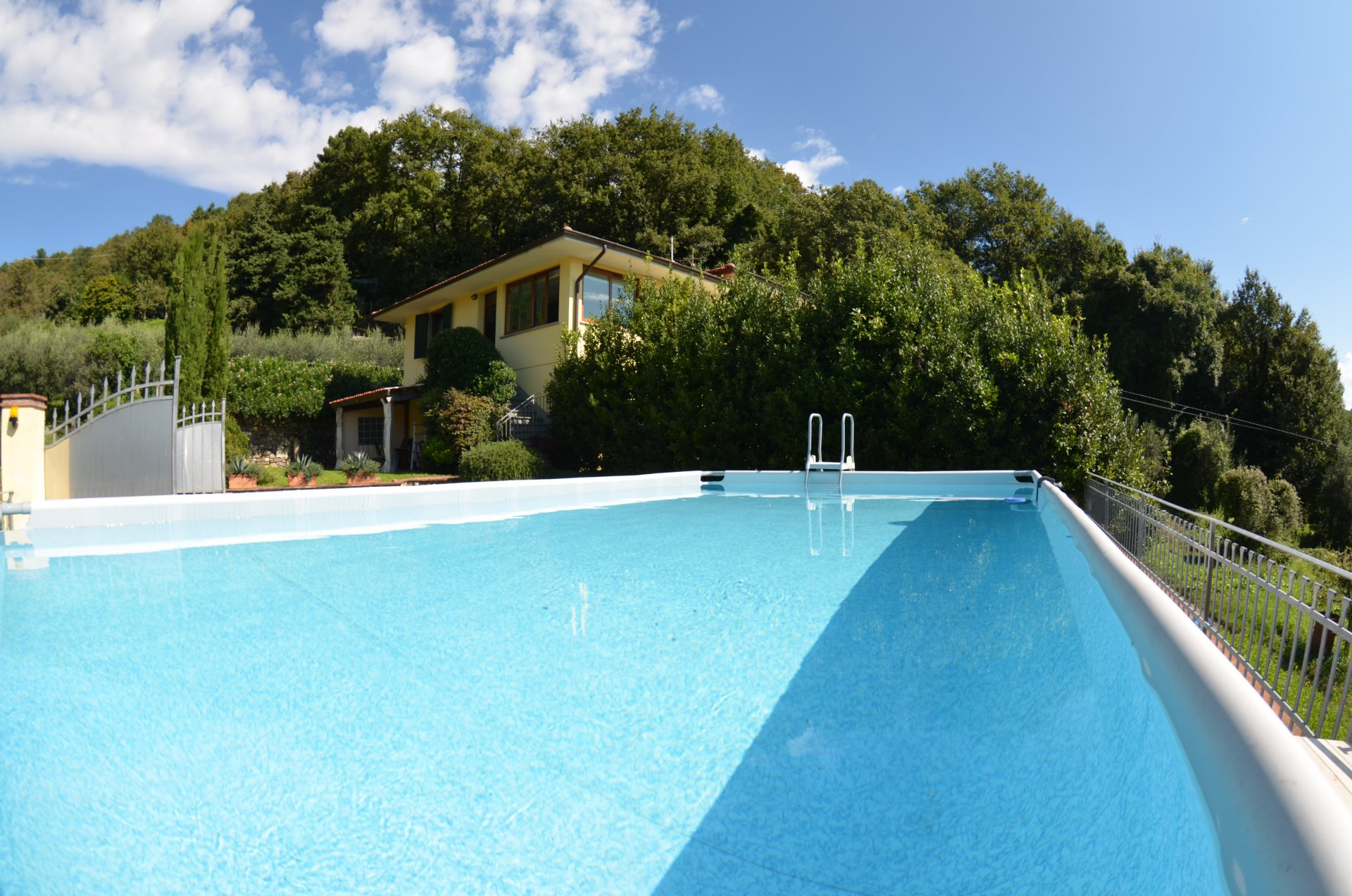 ITALY, TUSCANY, LUCCA, VILLA WITH POOL, 7 PERSONS