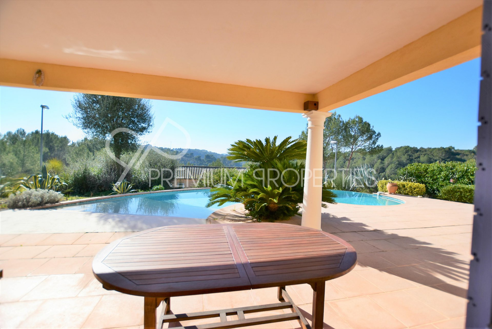 BIOT - ONE STOREY VILLA WITH PANORAMIC VIEW