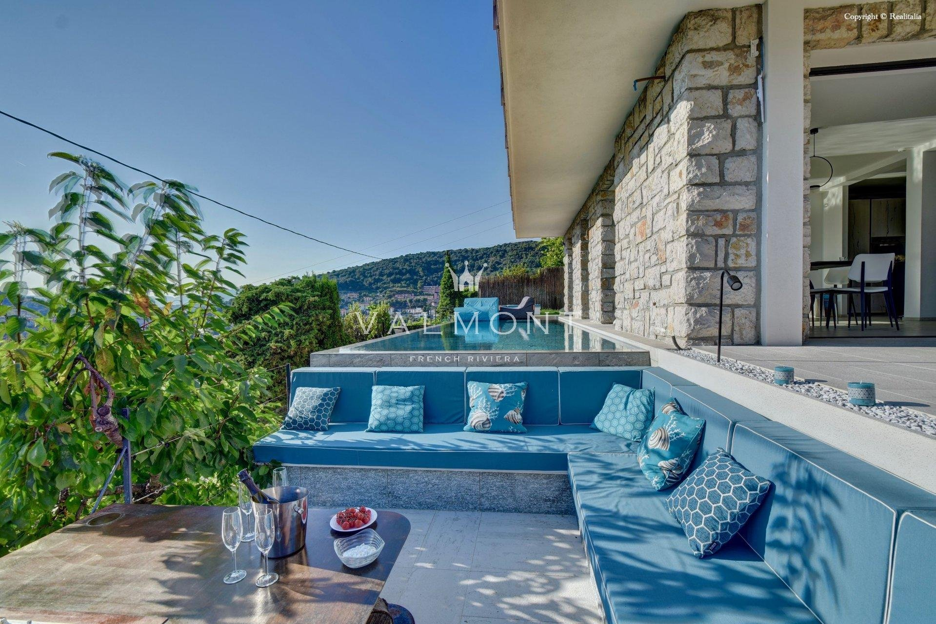 RECENTLY RENOVATED VILLA WITH PANORAMIC SEA VIEWS