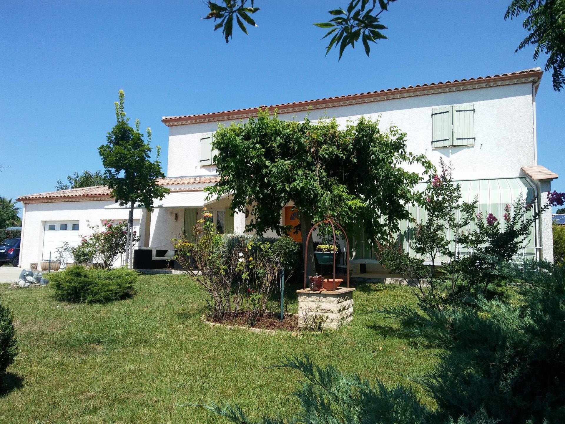 Villa with big garden and nice views