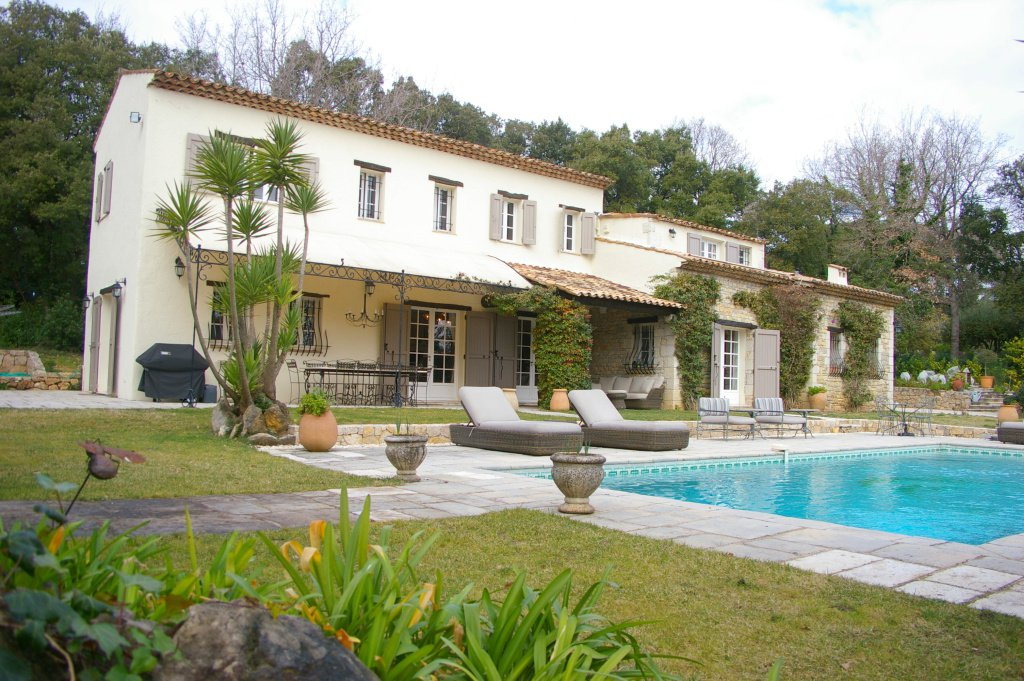 Beautiful villa in walking distance to Valbonne village
