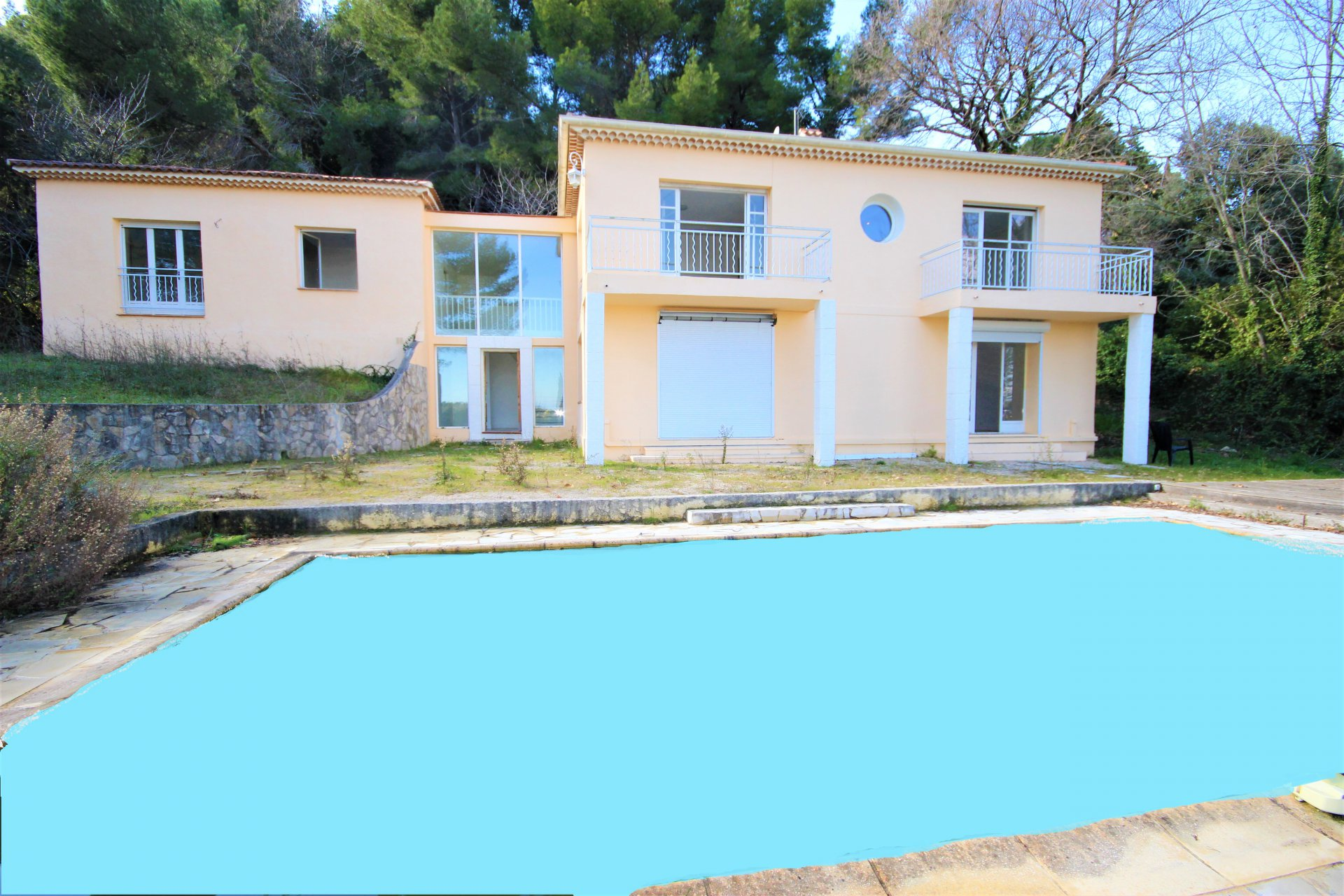 VALLAURIS VILLA WITH SWIMMING POOL FOR SALE COLLINES CANNES