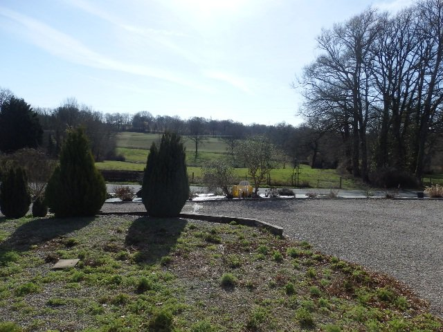 Excellent Bungalow with a view in Brigueuil in the Charente