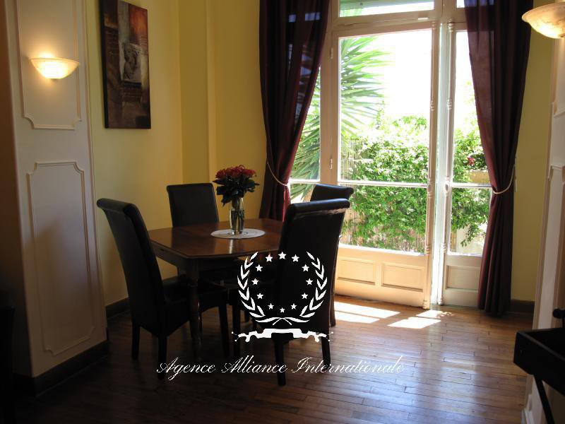 Spacious apartment in an old bourgeois palace - Cannes center