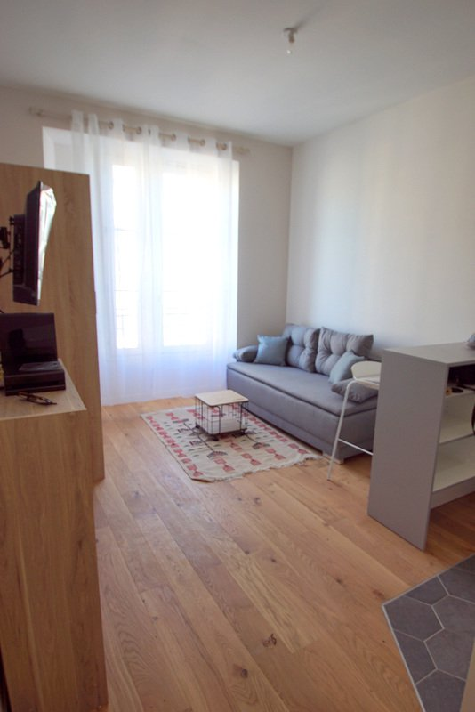 Rental Apartment - Nice - 650 € / Month