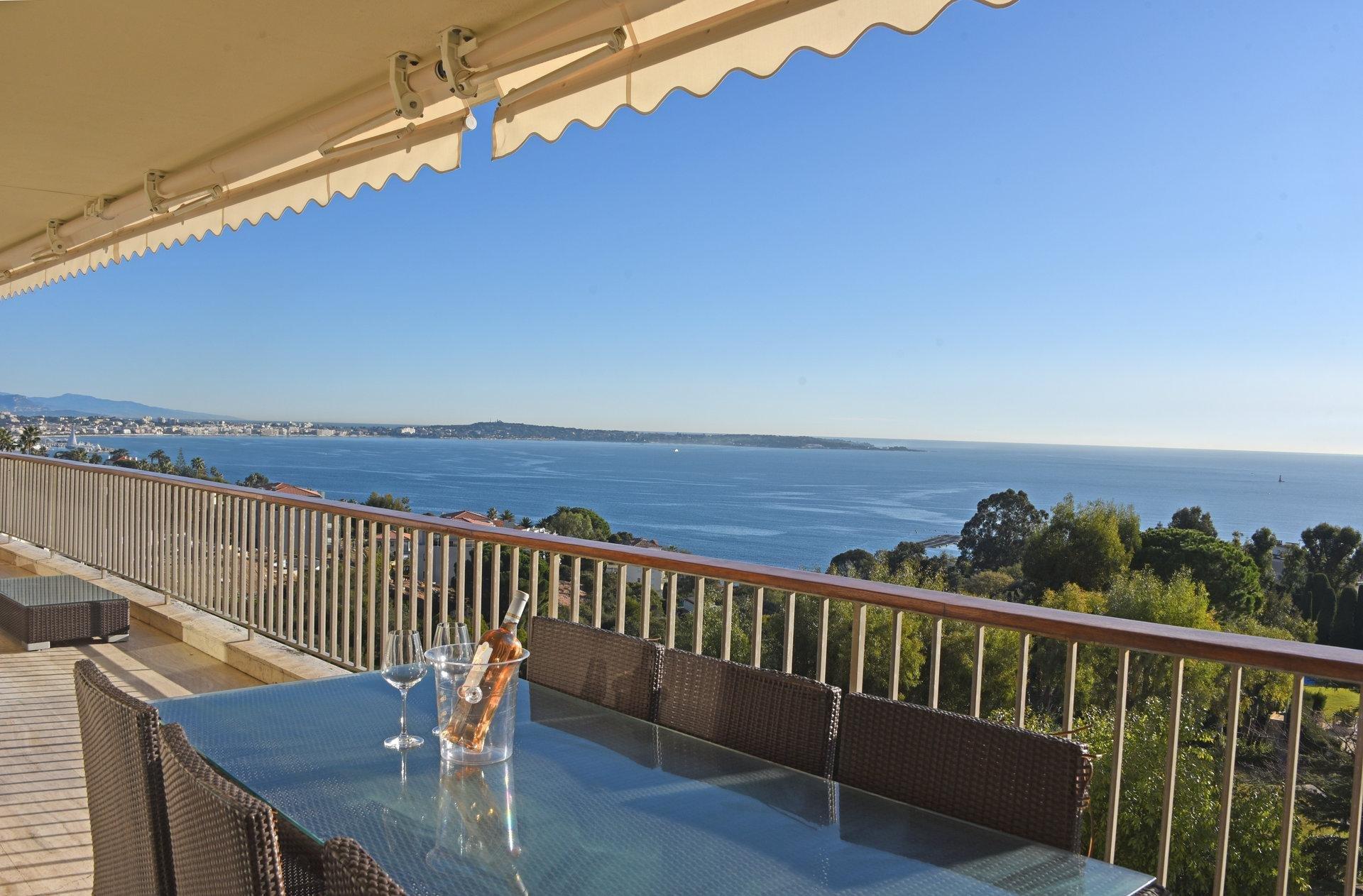 Modern lägenhet med panoramautsikt - Cannes