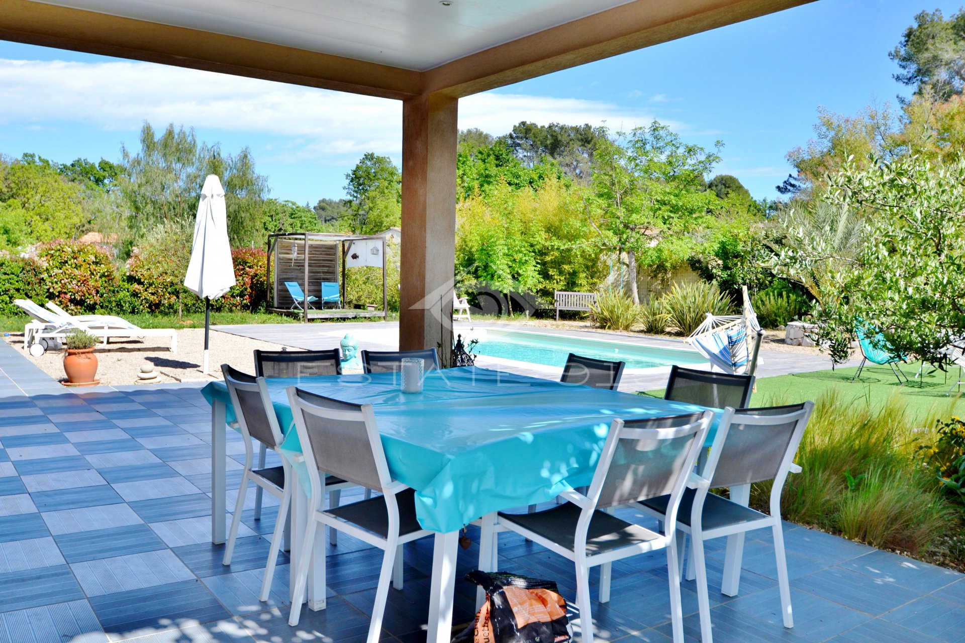 Roquefort les Pins Villa contemporaine
