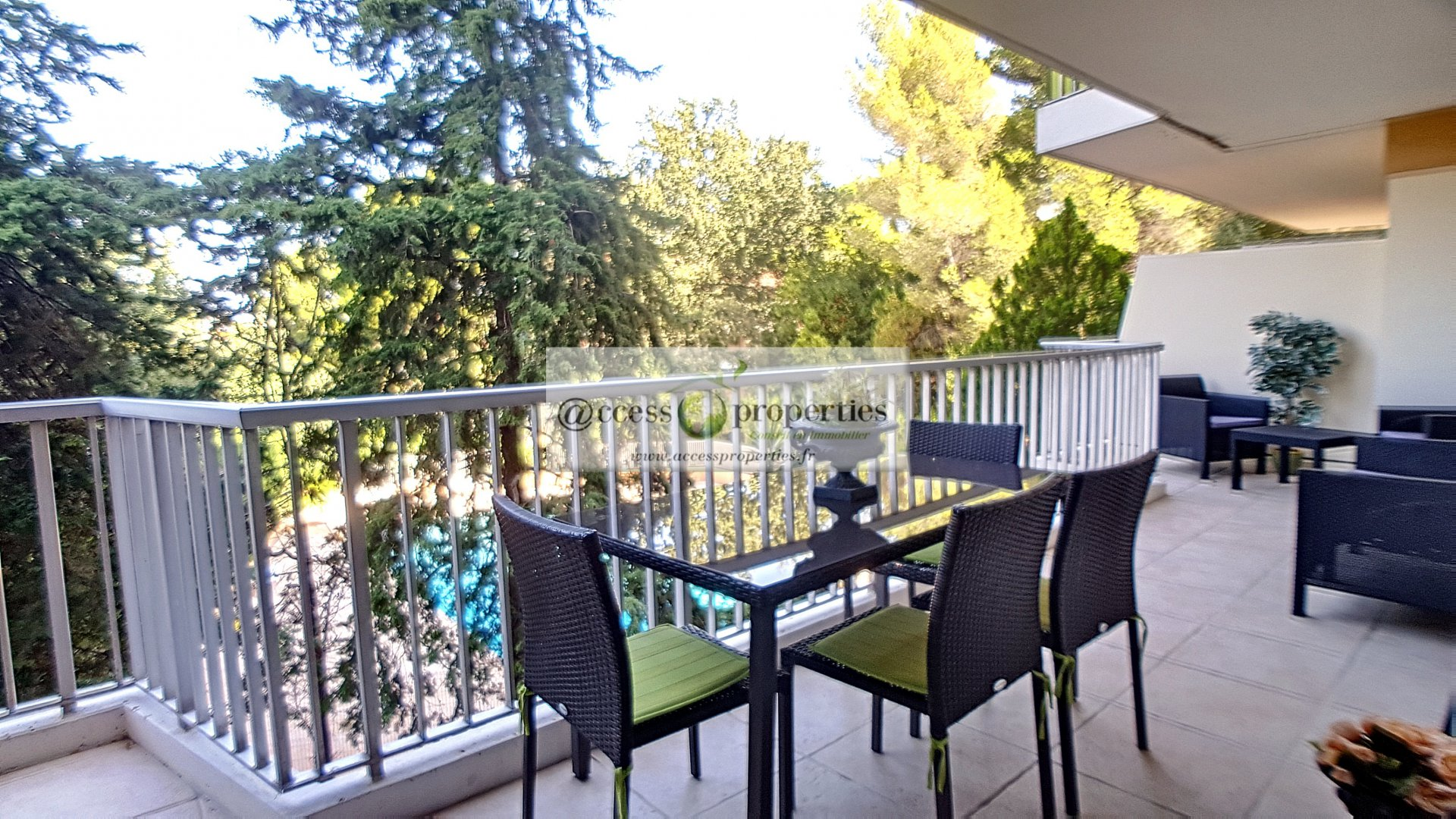 Seasonal rental Apartment - Antibes Le Puy