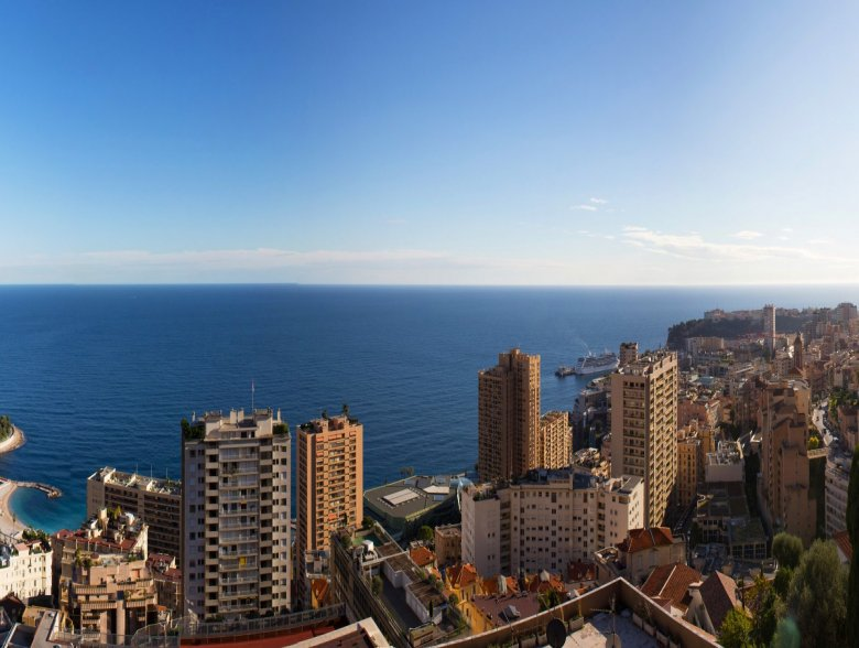 Penthouse in Beausoleil overlooking Monaco and the sea