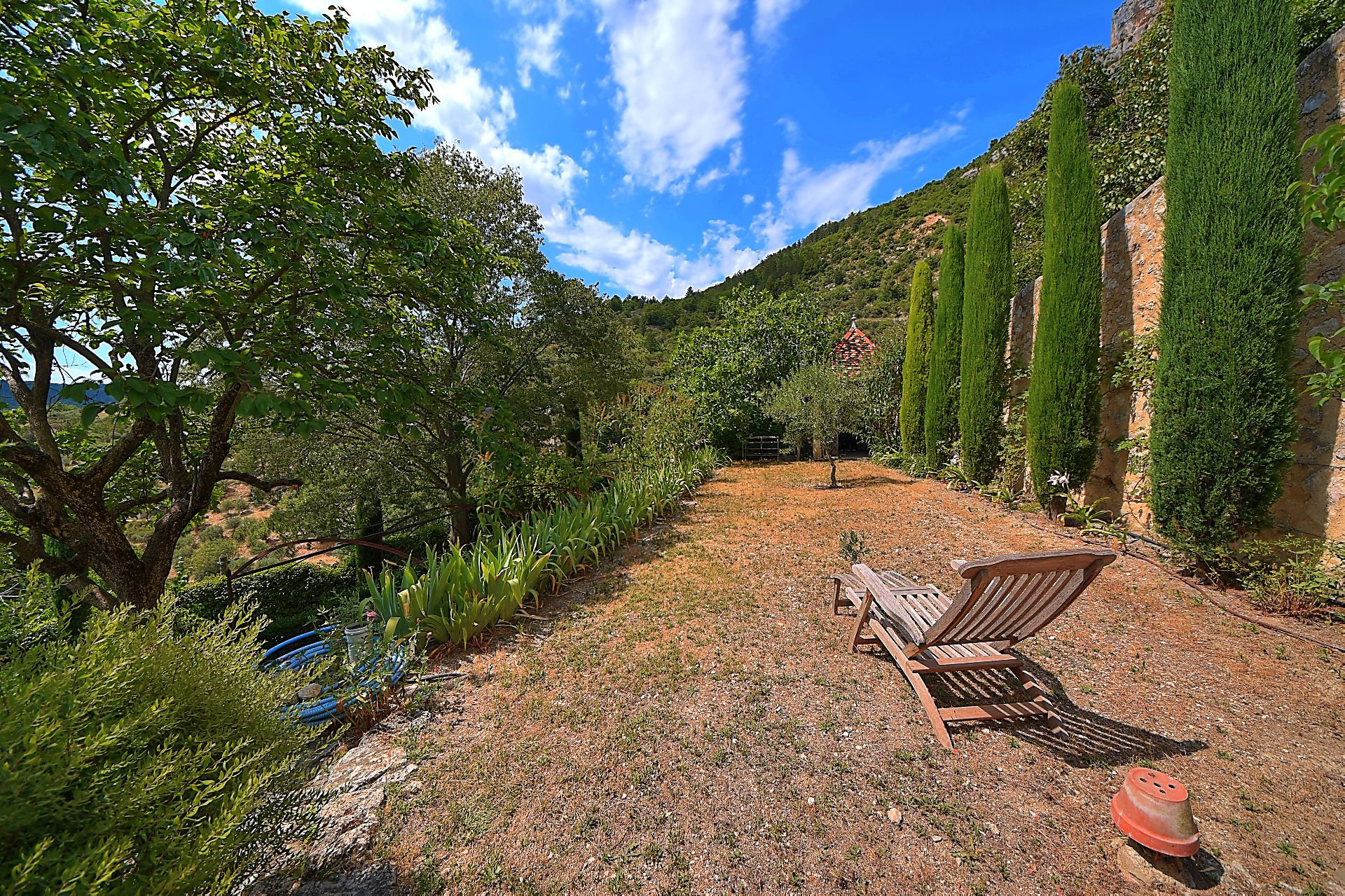 Beautiful village house 180 m², garden, garage, Moustiers Ste Marie