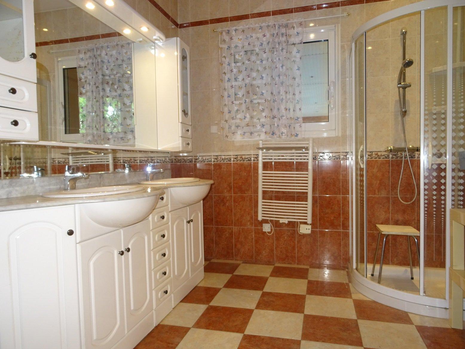 Grisolles, maison de 150 m² sur une parcelle de 1500 m².