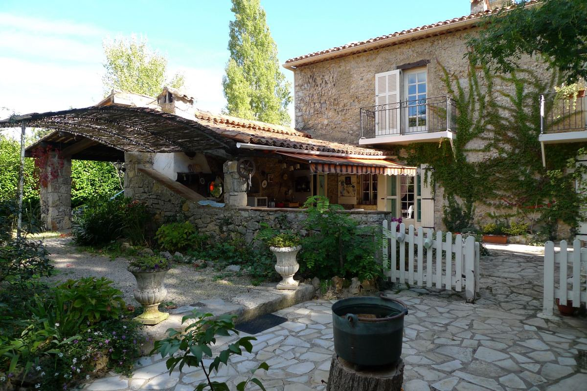 Stone property in Fayence