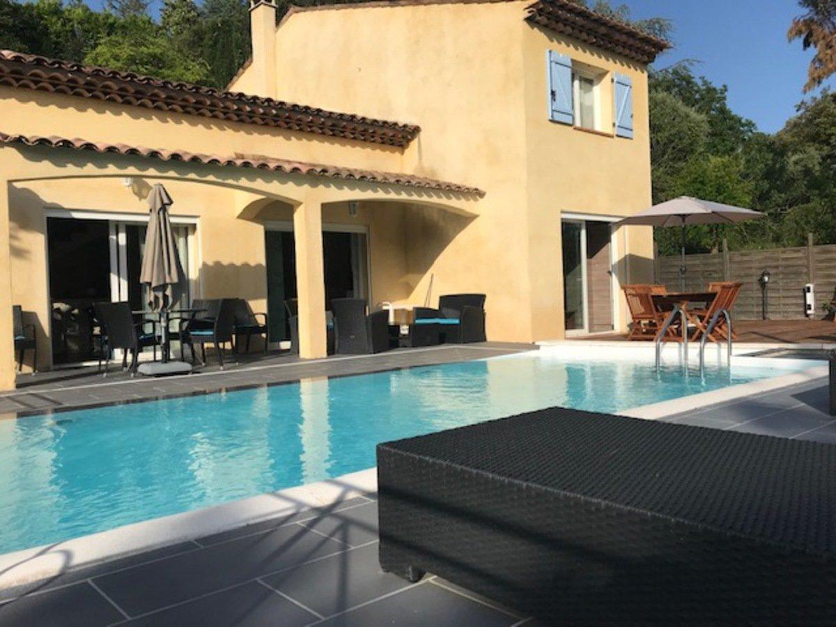 Villa with view in Montauroux