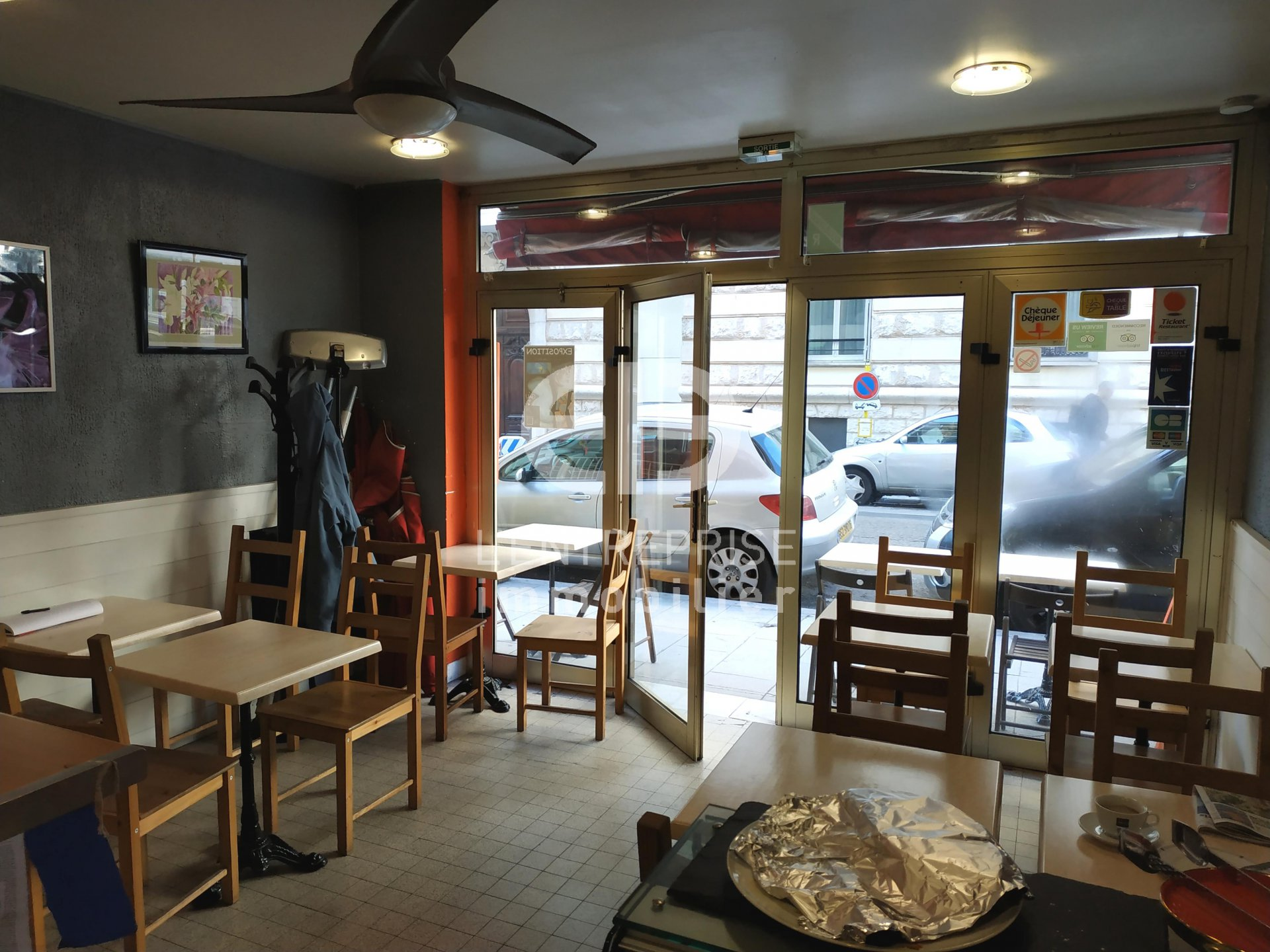 A VENDRE FONDS DE COMMERCE RESTAURATION 25 M² NICE CENTRE