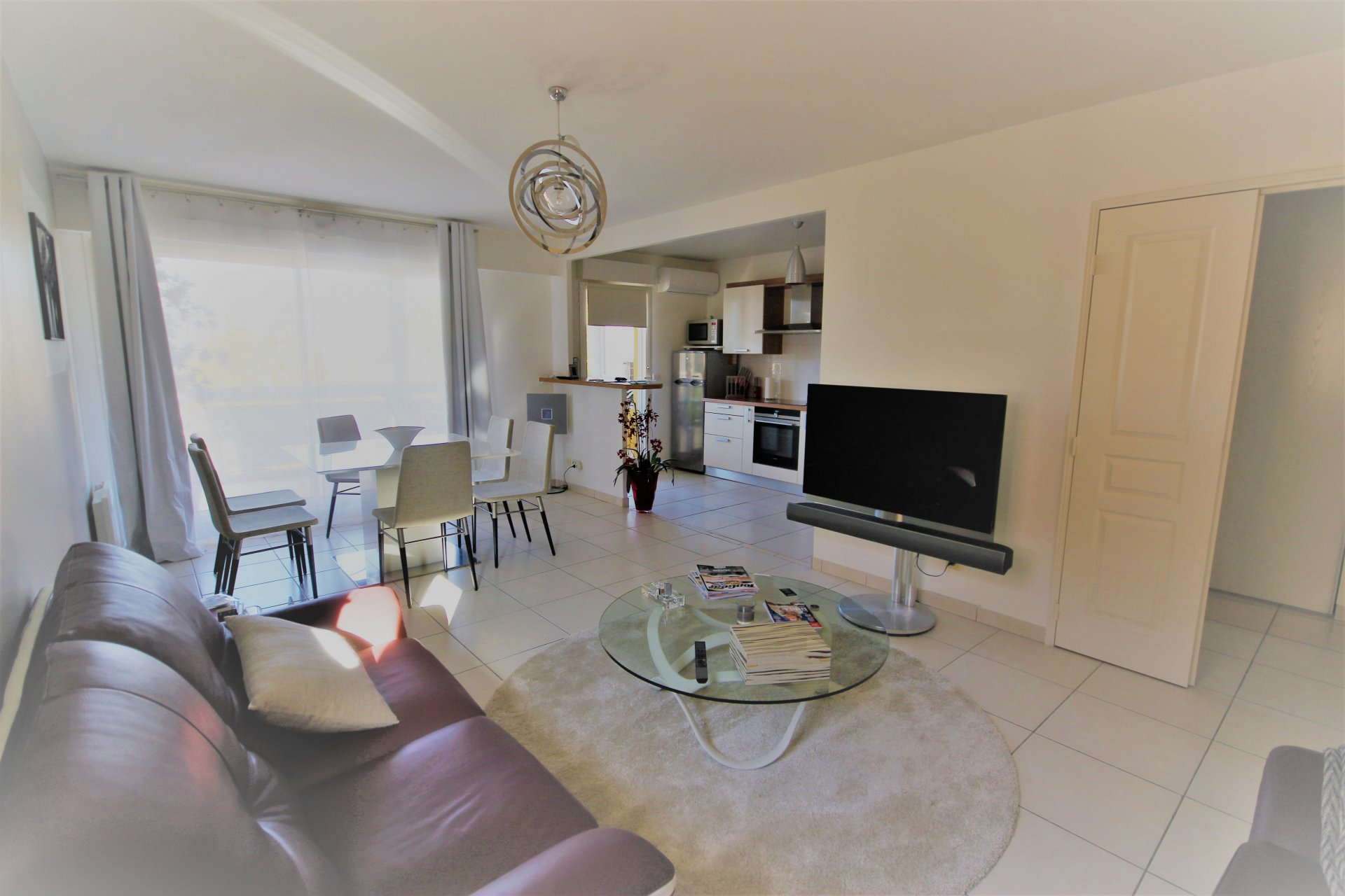 CANNES SALE 3 P LAST FLOOR IN RESIDENCE WITH SWIMMING POOL