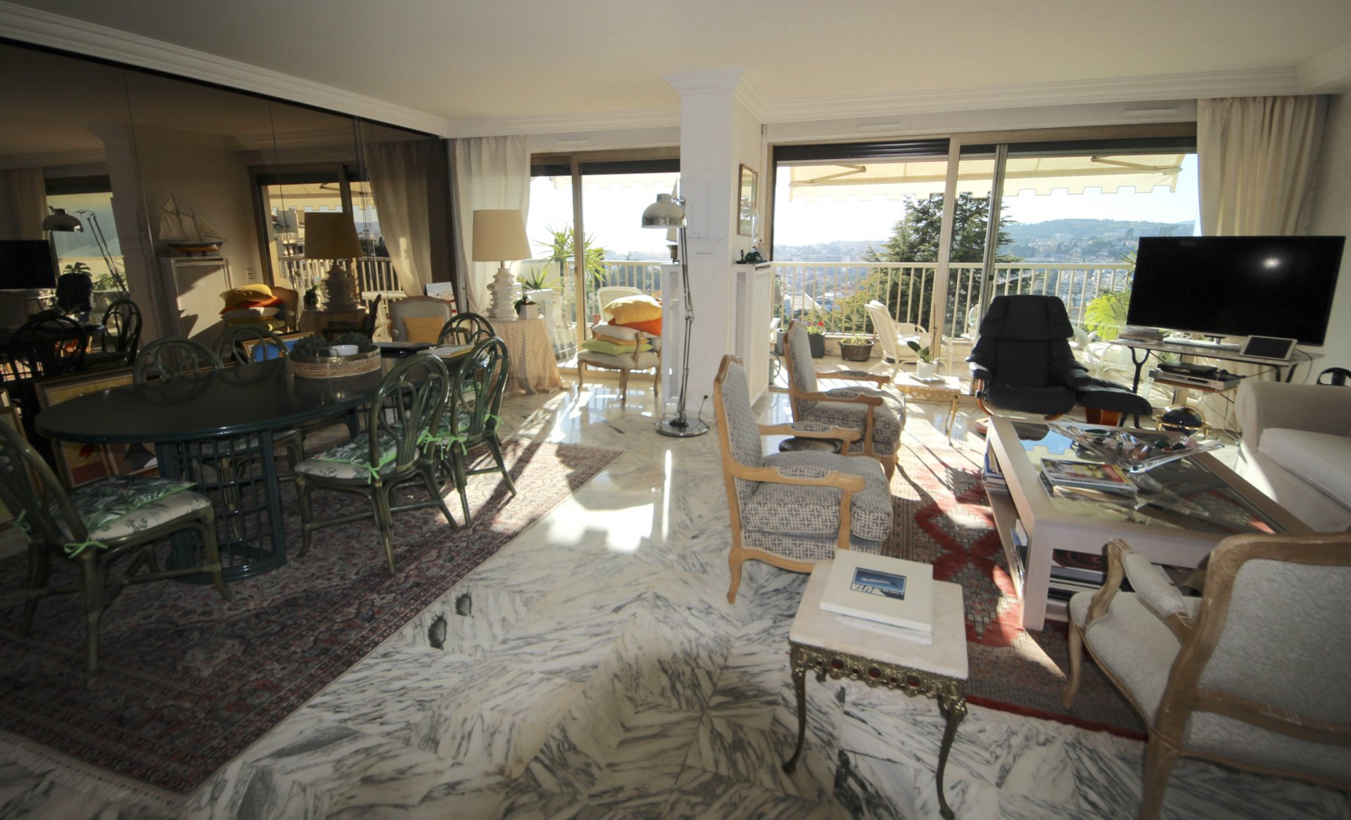 Cannes oxford, spacious 2bedrooms apartment 106sqm with sea view, box and cellar