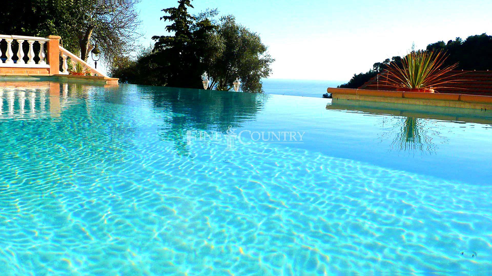 Villa for Sale Villefranche-sur-mer Sea view Swimming pool.