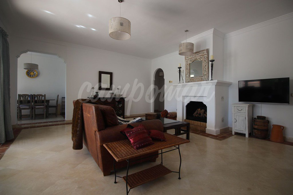Fantastic ground floor apartment in La Perla de la Bahía                    a