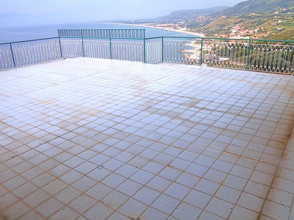 RENOVATION - 150 sqm terrace - sea views