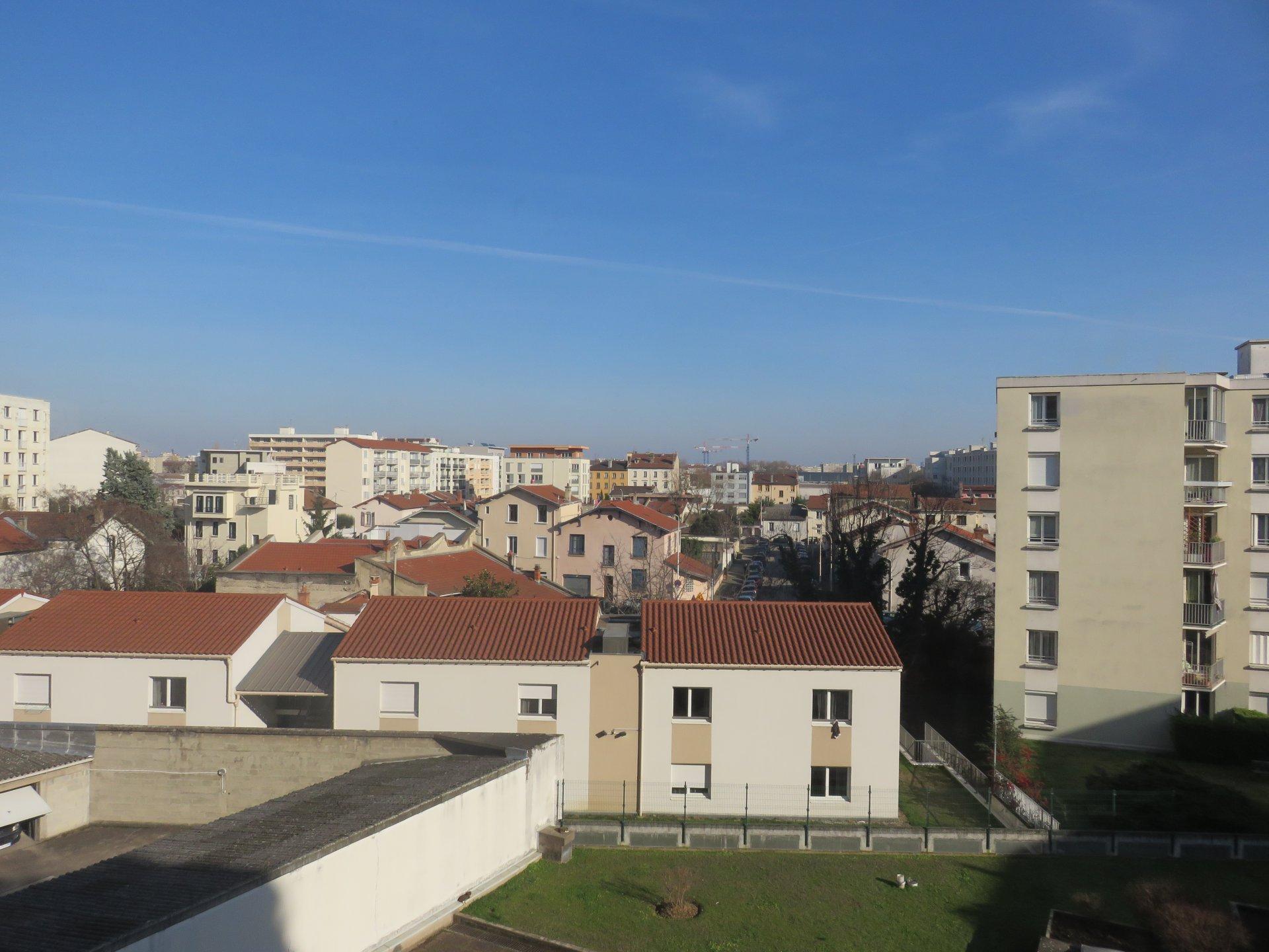T1 Avenue Jean Jaures