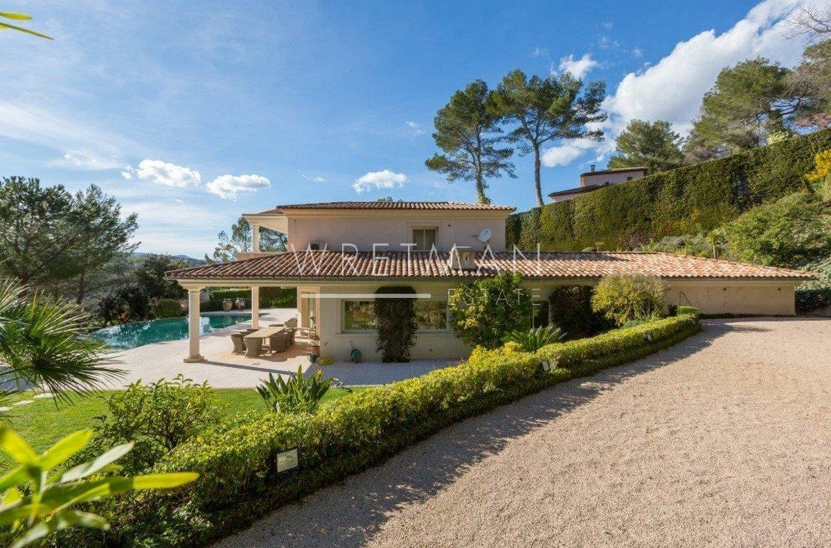 Villa with panoramic view of Golf course : Royal Mougins