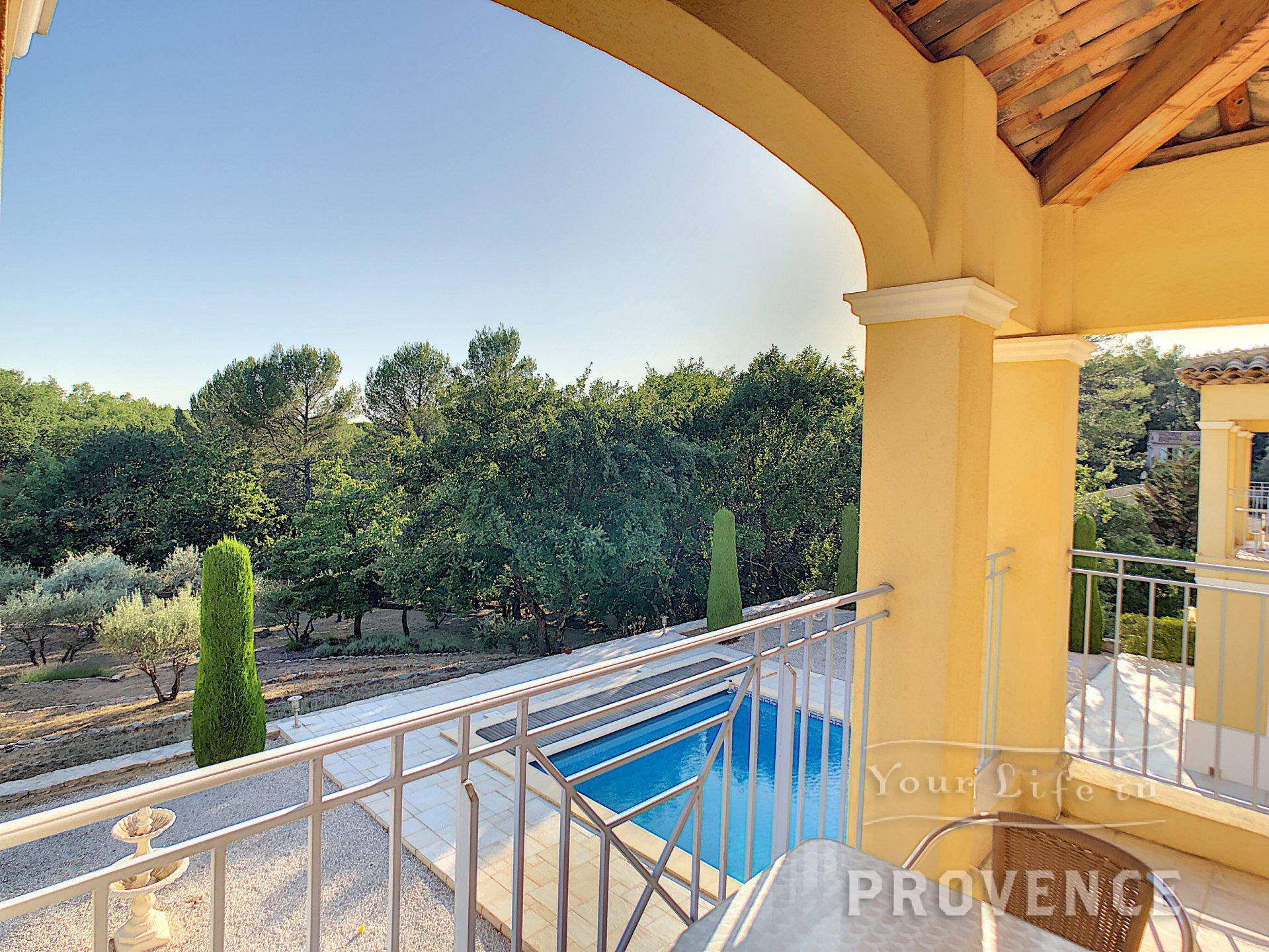 SOLE AGENT  Archtiect's property, 4 ensuites, double garage