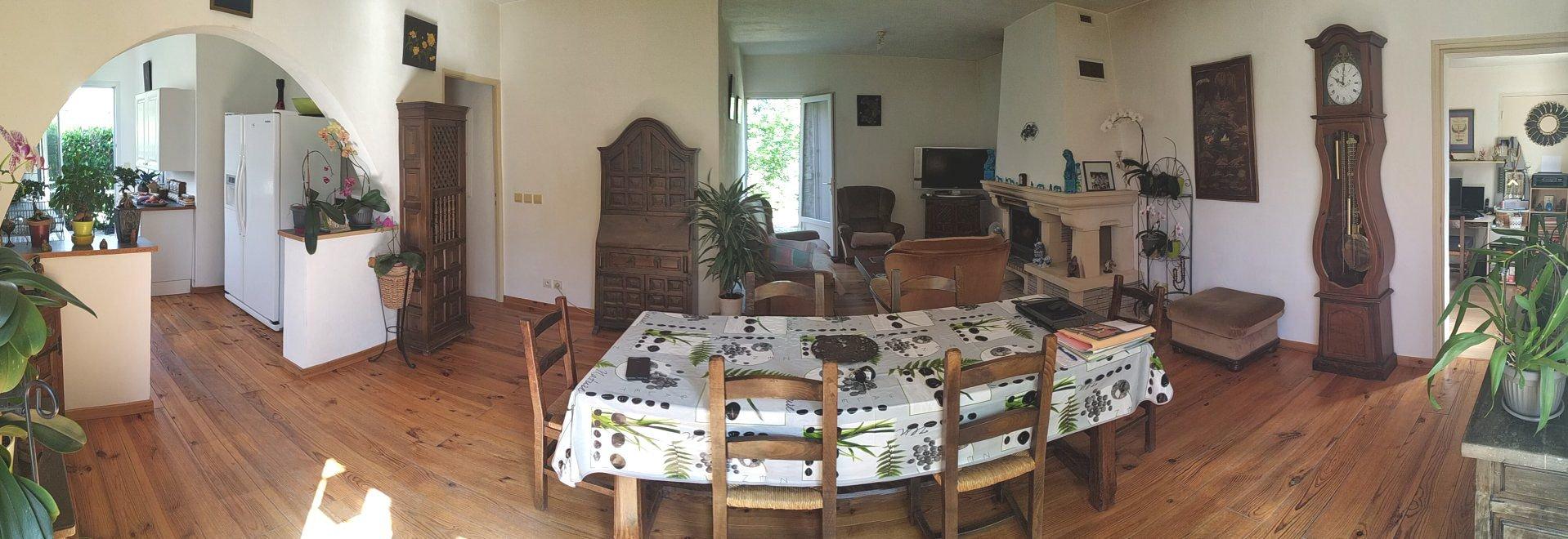 Maison de 160m² +80 m² de dépendance sur 4000 m² de terrain