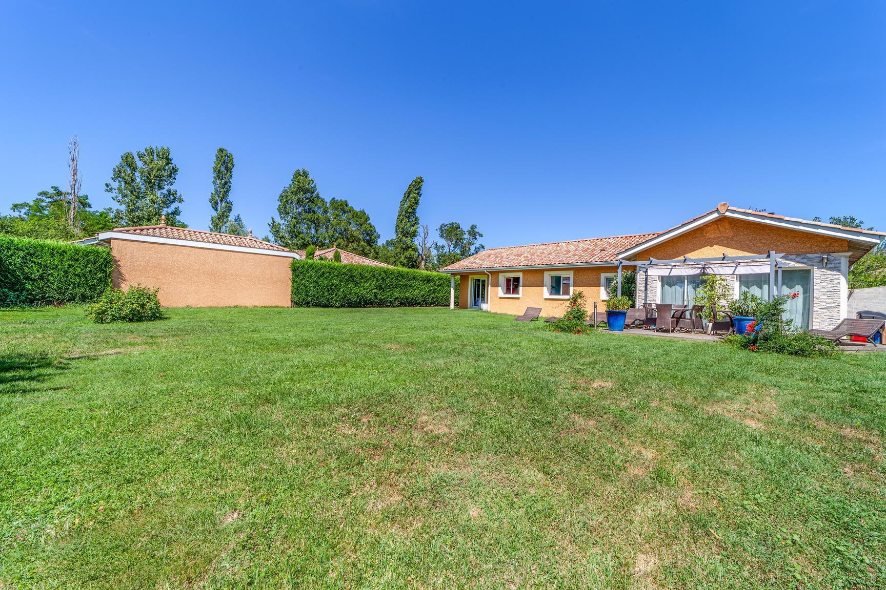 Villa de plain-pied sur terrain plat de 1120 m²