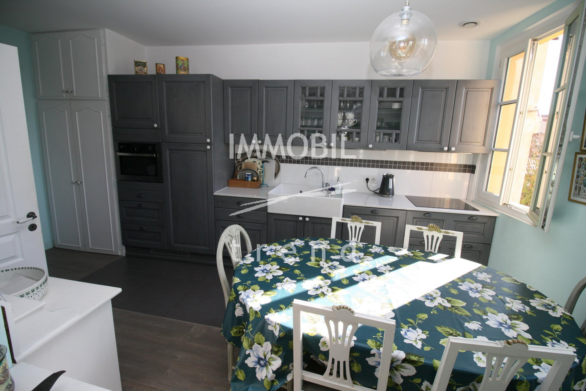 EXCLUSIVITE' - NICE CENTRE - VIELLE VILLE - CHARMANT 3 PIECES EN PARFAIT ETAT.