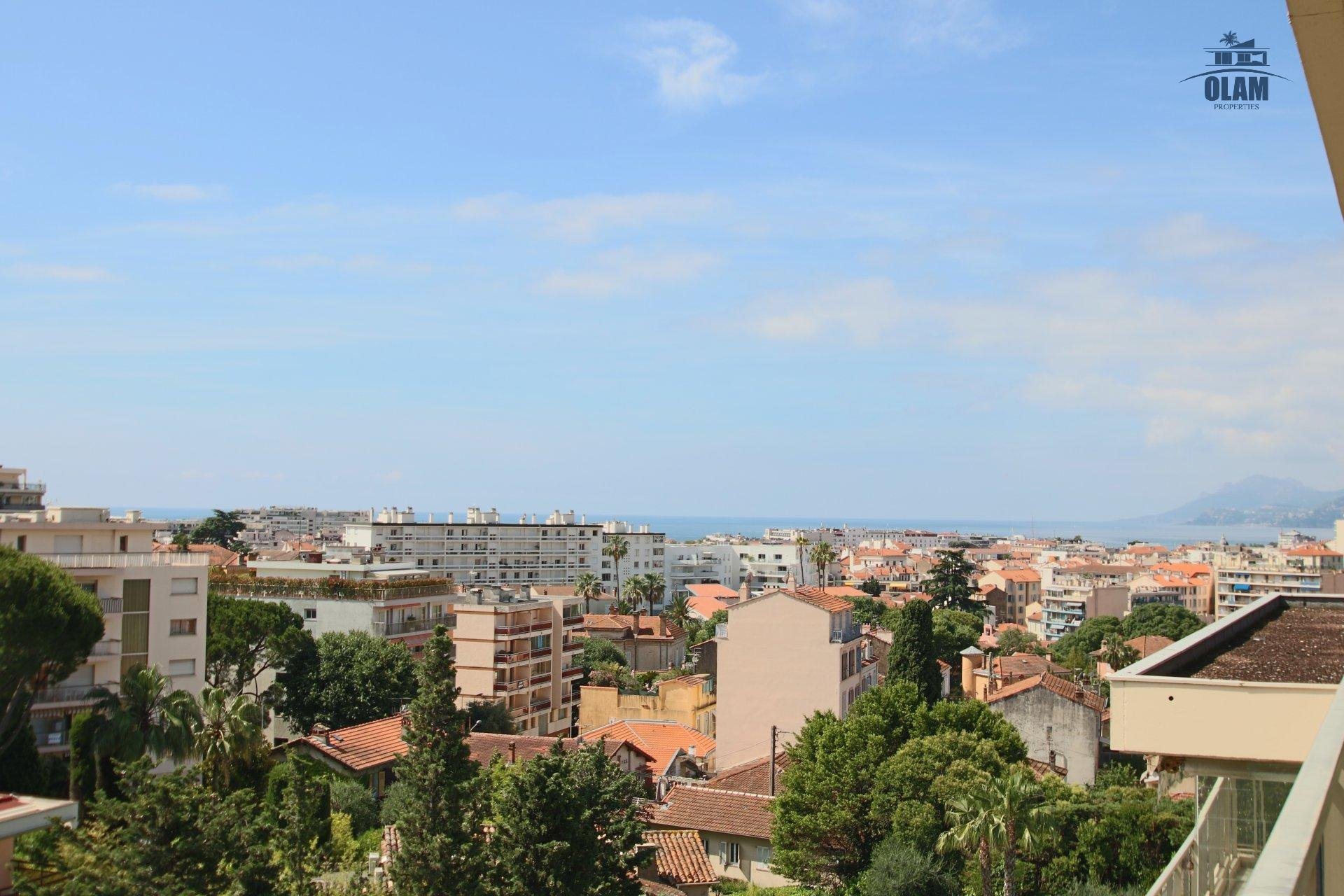 SEASONAL LOCATION: CANNES 3 ROOMS IN SUPERB RESIDENCE WITH SWIMMING POOL