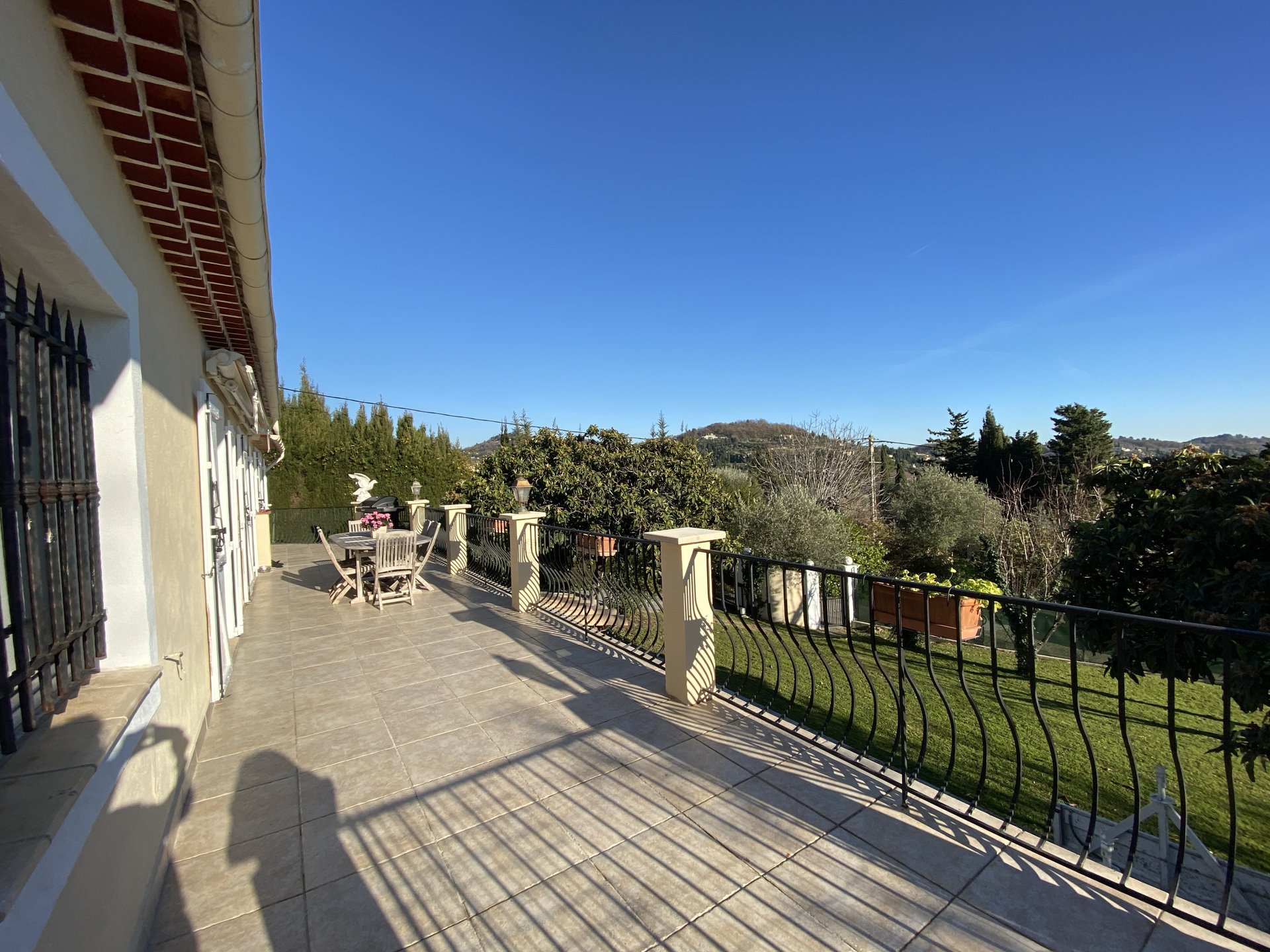 GRASSE VILLA 6P PANORAMIC SEA AND HILL VIEW