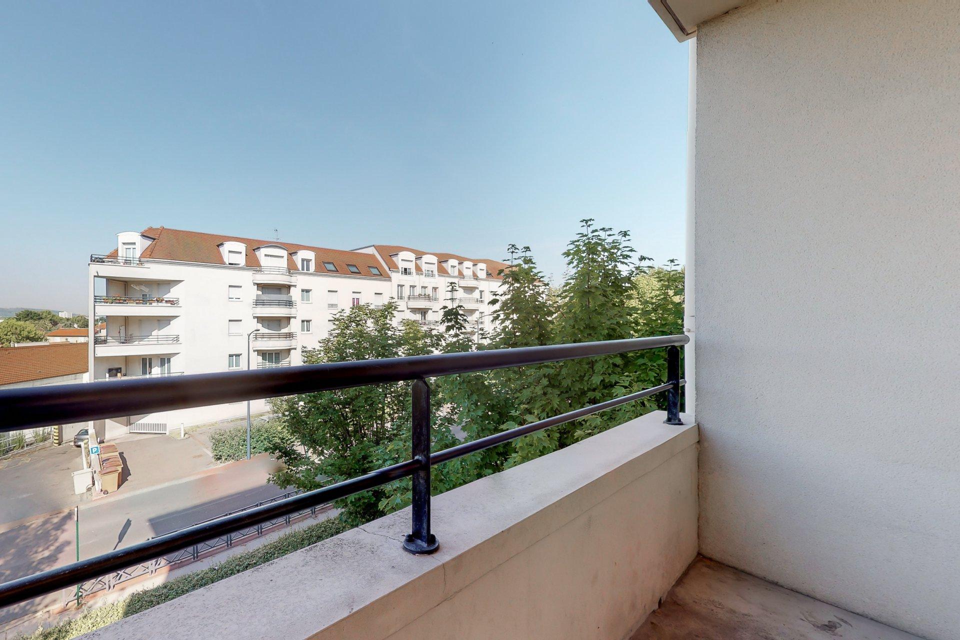 T3 66m2 avec balcon et parking à Eaubonne