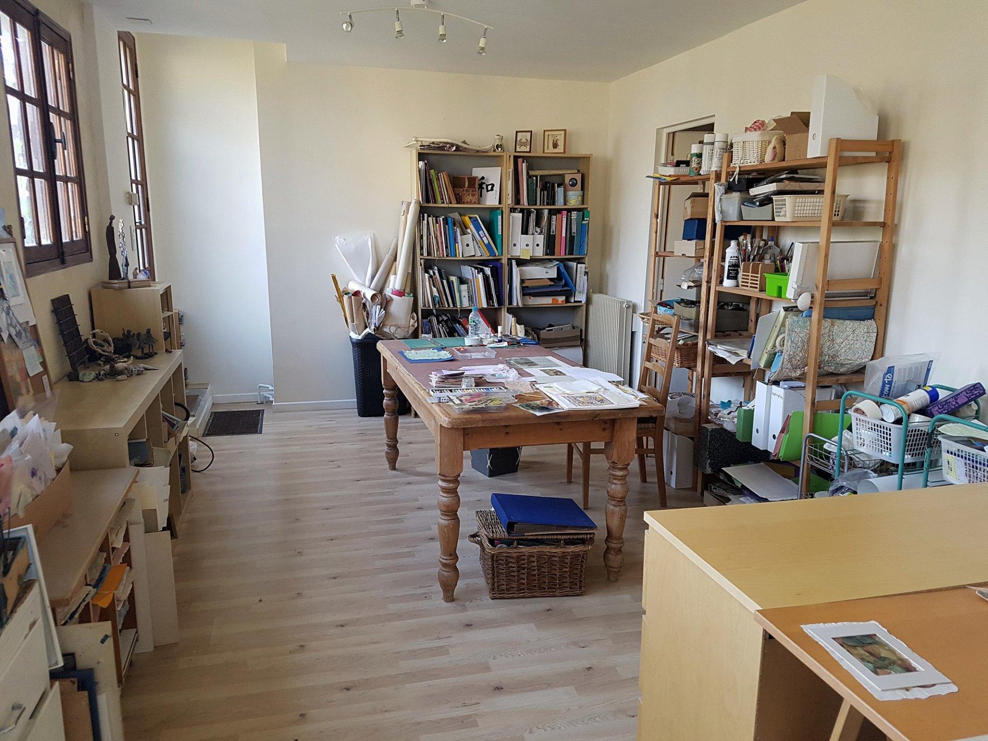 Proche Angles sur l`Anglin, Vienne 86: maison avec studio