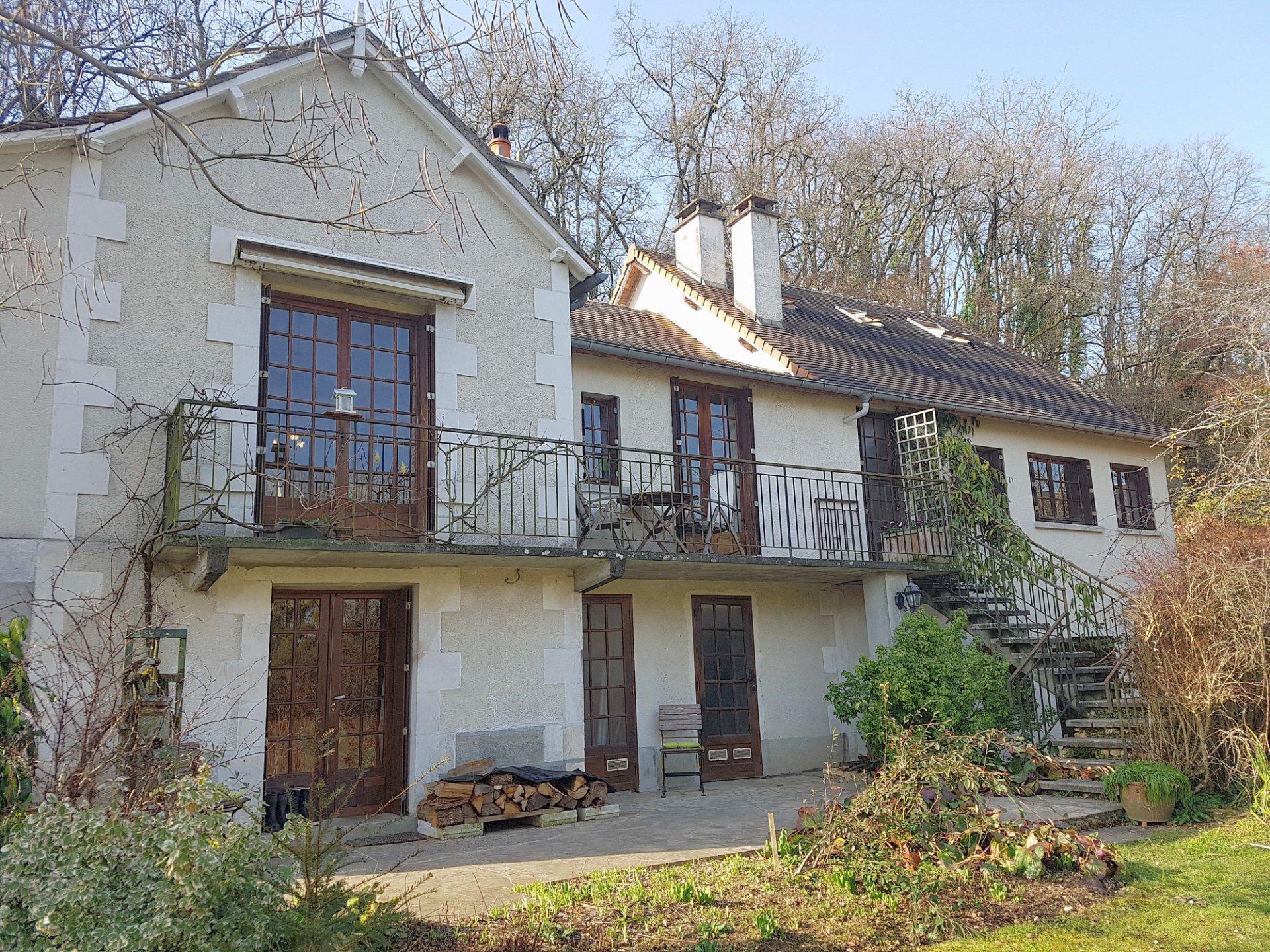 Bij Angles sur l'Anglin, Vienne 86: huis met grote studio
