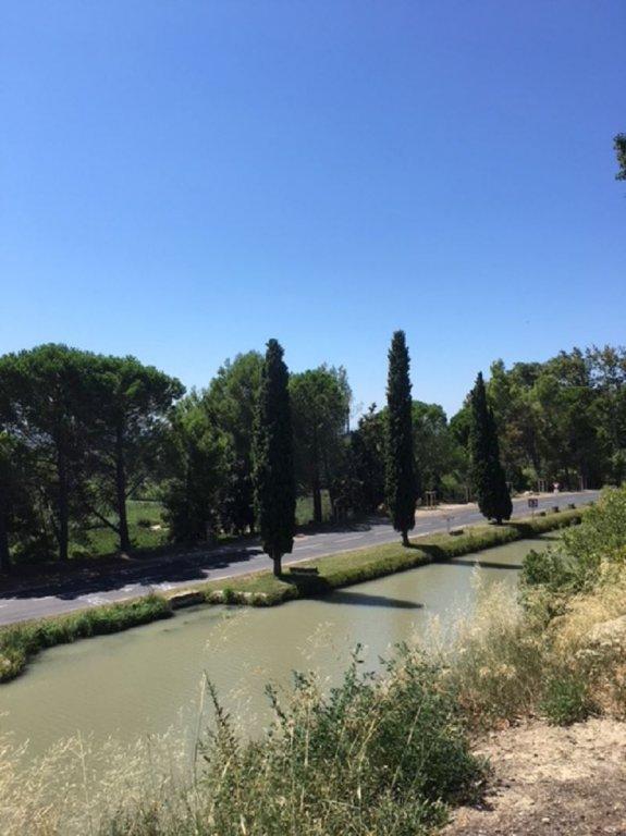 Villa avec vue sur le Canal du midi