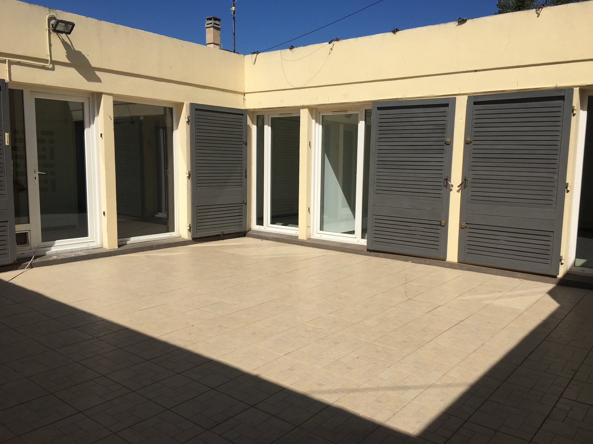 Villa avec patio