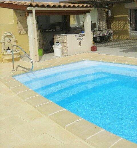 Belle villa de plain pied avec piscine et jacuzzi