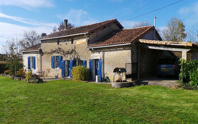DEUX-SEVRES - Countryside, nice old stone house on 2.416 m2